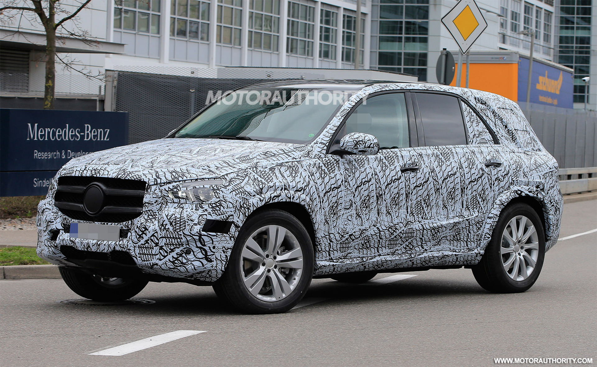 Mercedes Glb 2019 >> 2019 Mercedes-Benz GLE spy shots and video