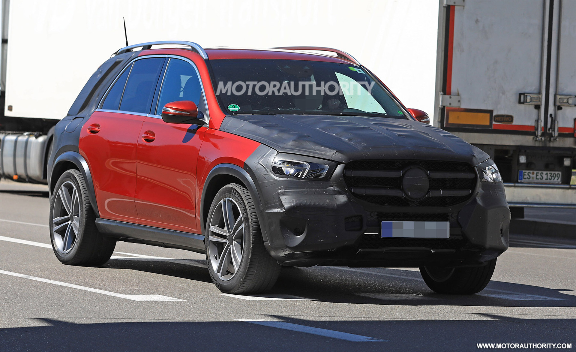 2019 mercedes benz gle spy shots and video for Mercedes benz gle 2019