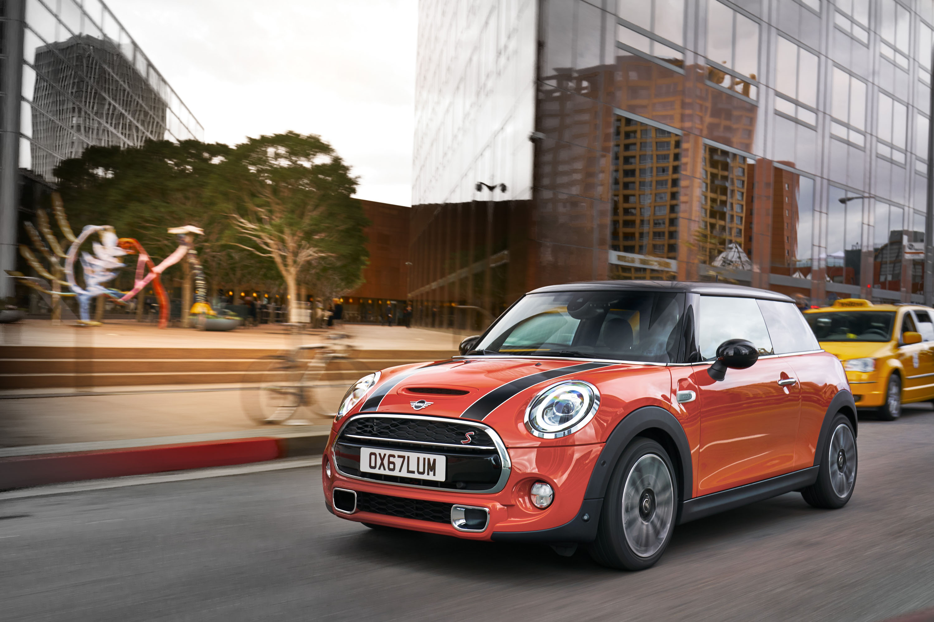 Meet The New 2019 Mini Cooper Same As The Old Mini