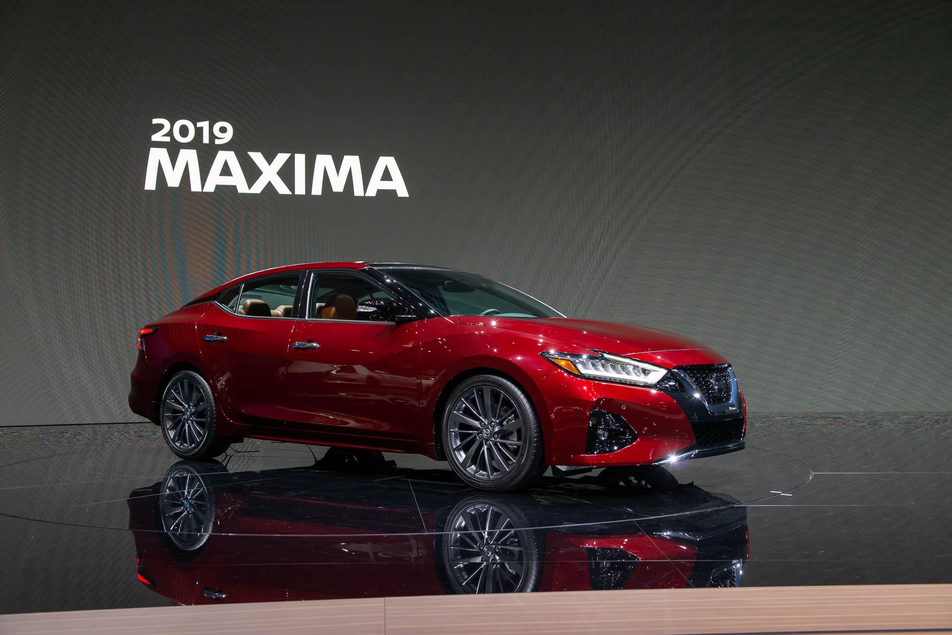 New Nissan Maxima >> 2019 Nissan Maxima Sedan Sports New Look More Safety Tech