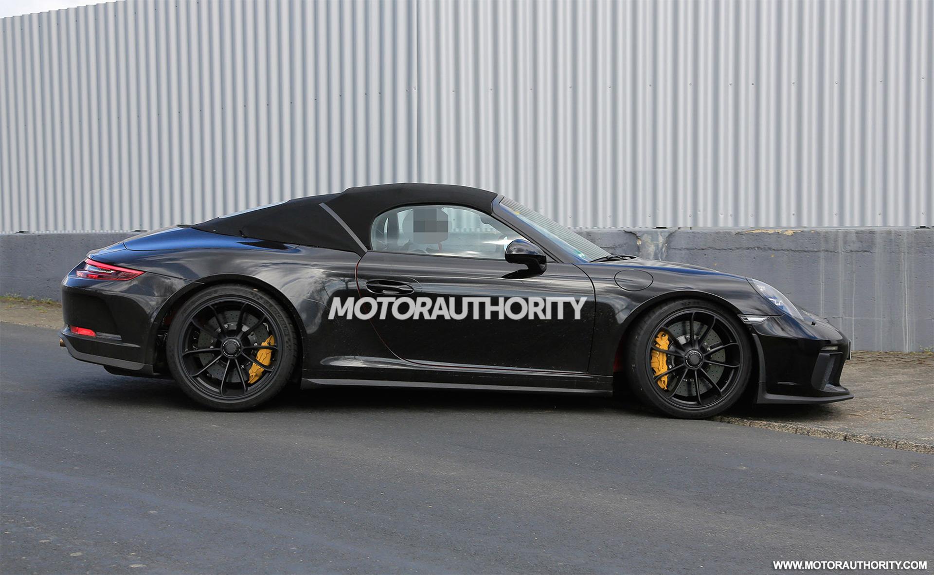 Porsche 911 Speedster Lamborghini Aventador SVJ Aston