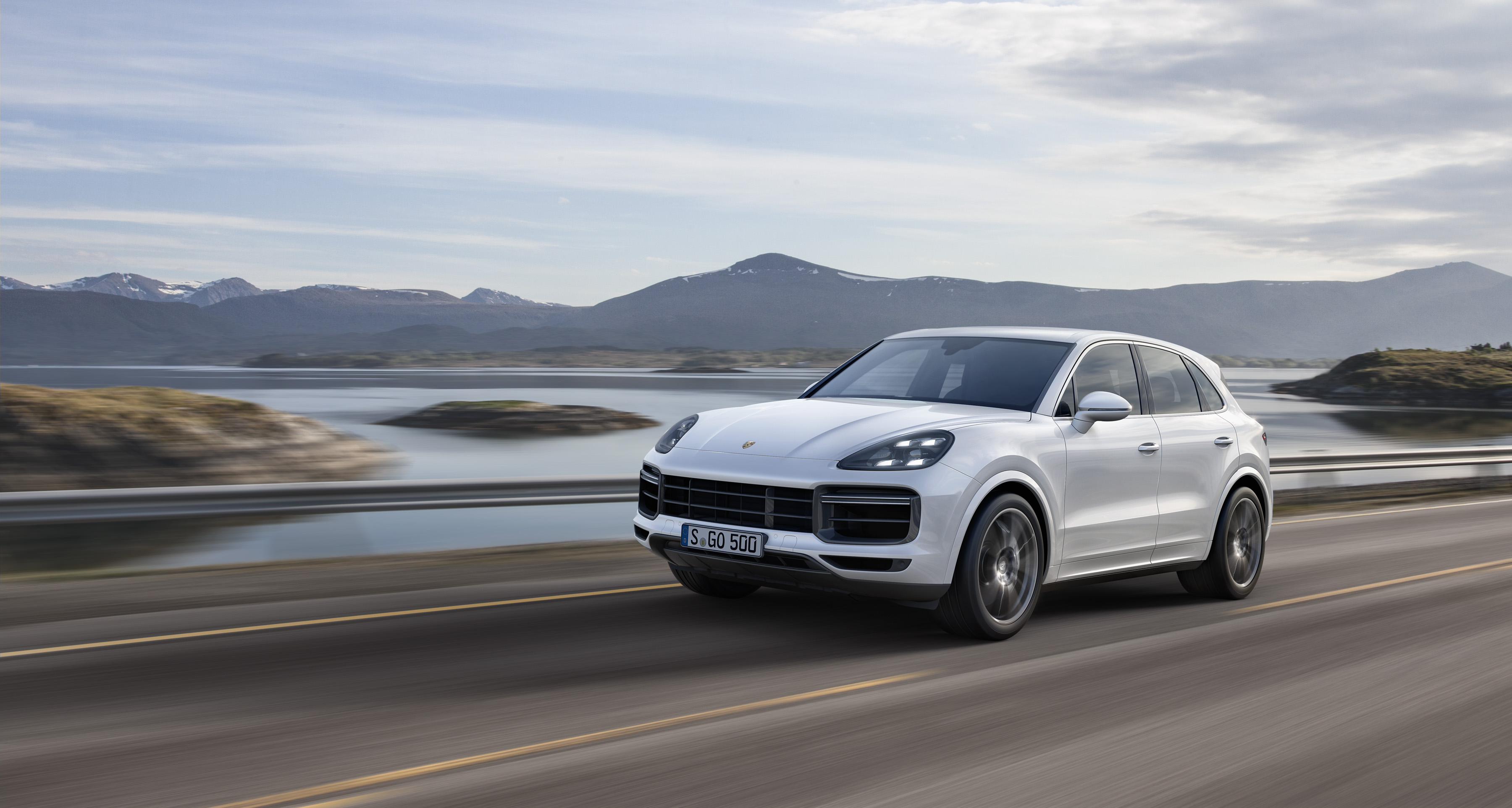 First Drive Review The 2019 Porsche Cayenne Turbo Sets All The Thirst Traps