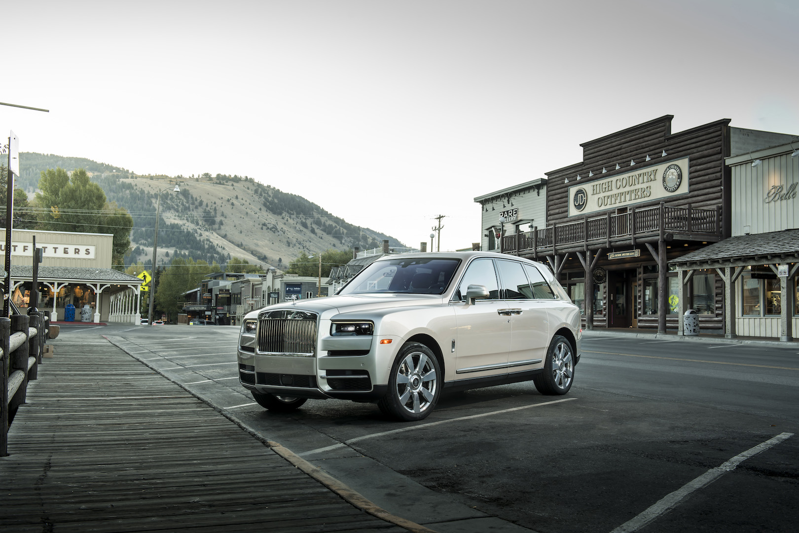 Rolls Royce Cullinan Demand Outstrips Production Capacity