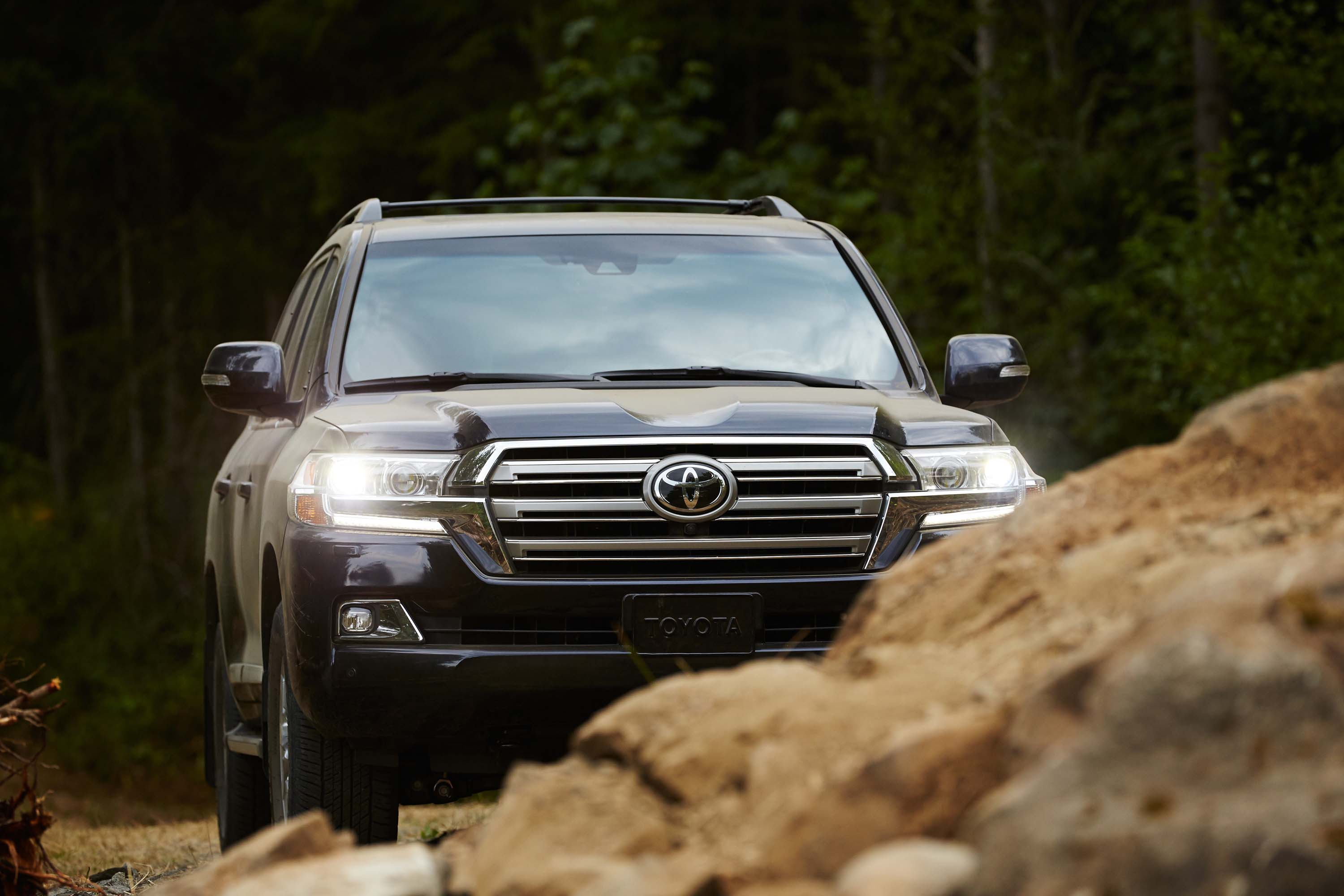 2019 toyota land cruiser review  ratings  specs  prices  and photos