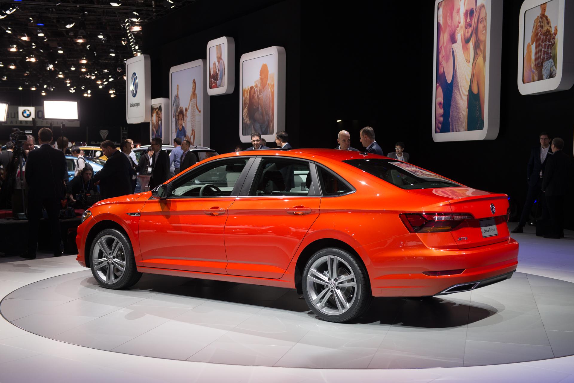 2019 volkswagen jetta revealed compact sedan pushes for mid size taste publicscrutiny Gallery