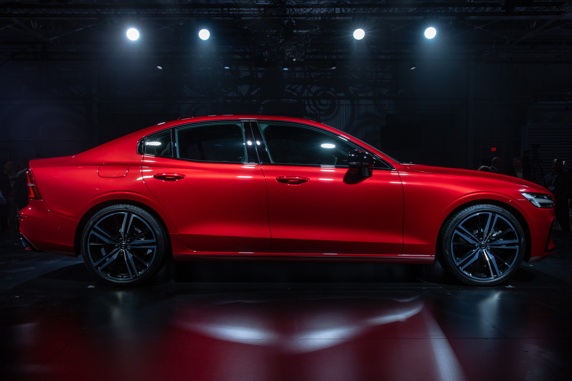 2019 volvo s60 officially debuts swedish style meets southern speed. Black Bedroom Furniture Sets. Home Design Ideas