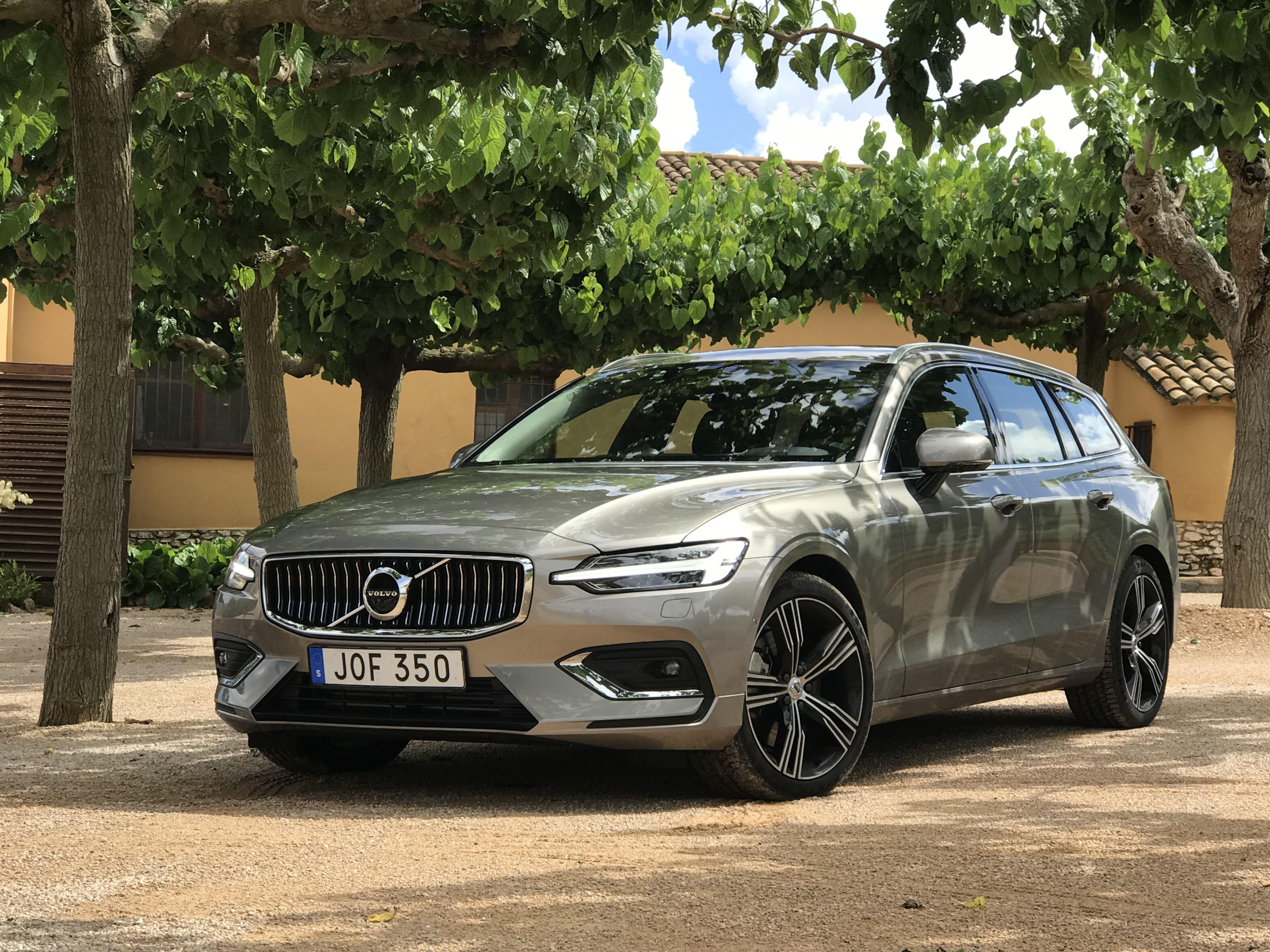 2019 Volvo V60 Svelte Swedish Wagon Slips In Under 40 000