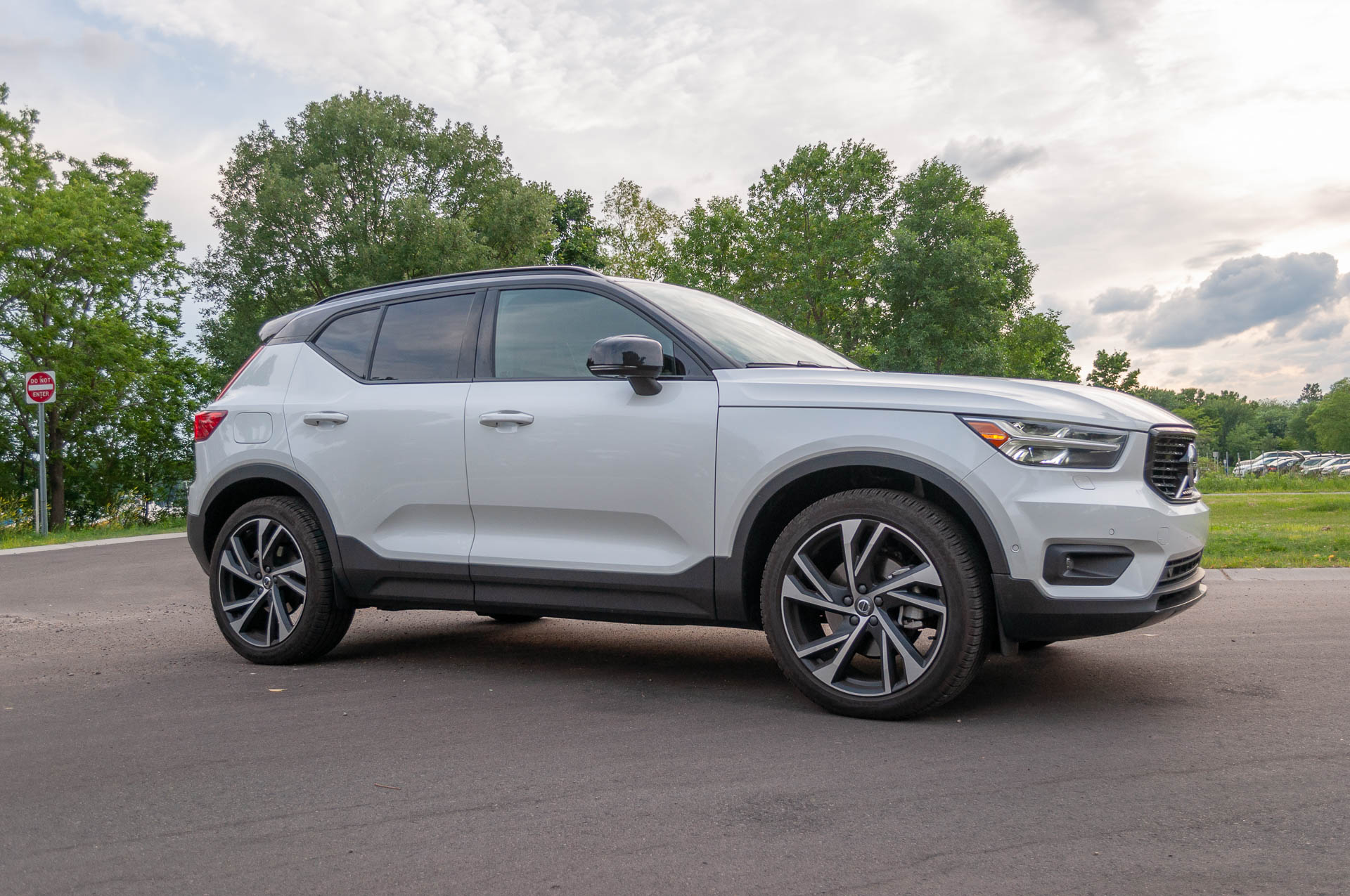 2019 Volvo Xc40 T5 Awd R Design Review Update Cheeky And