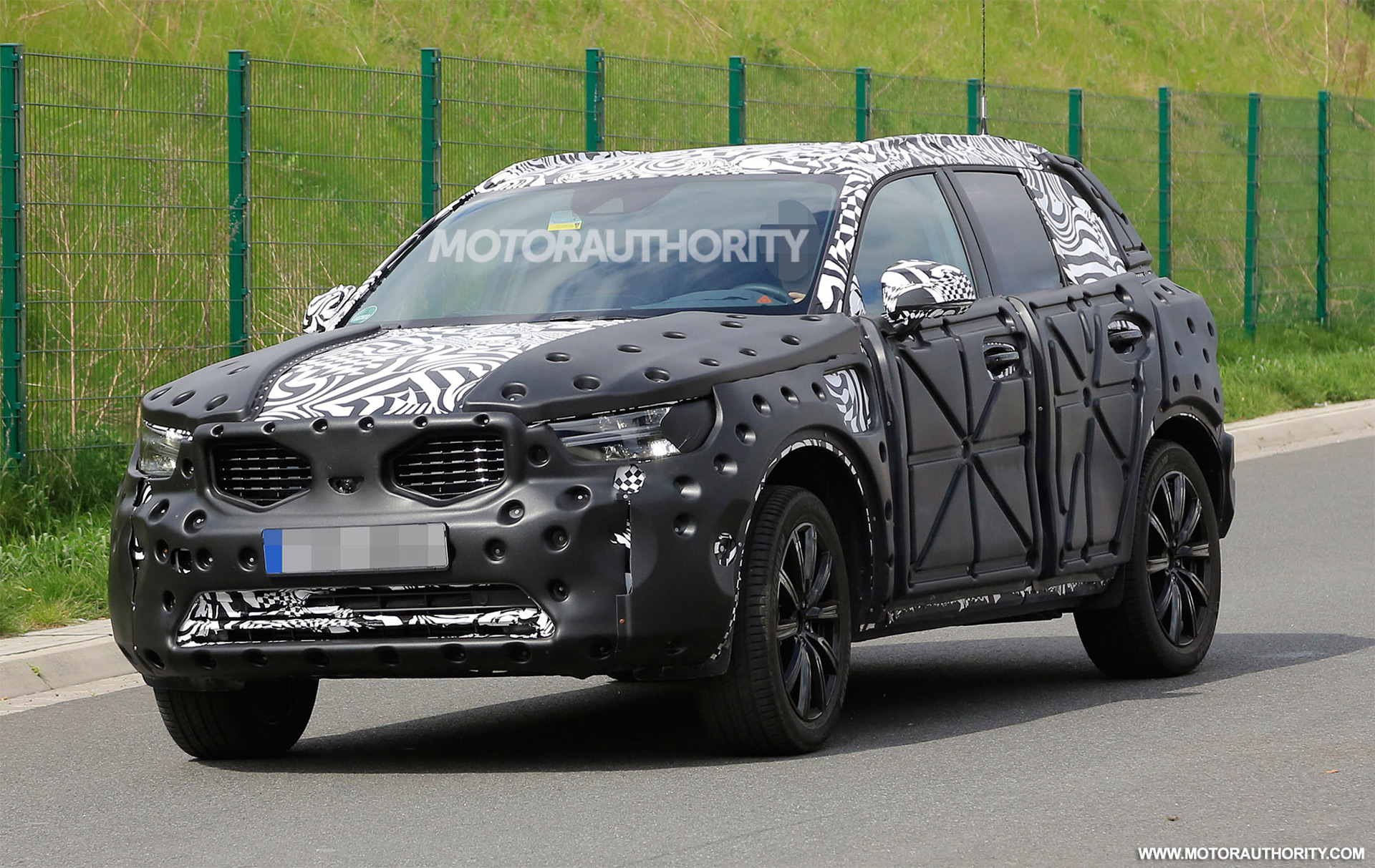 2019 Volvo Xc40 Spy Shots And Video