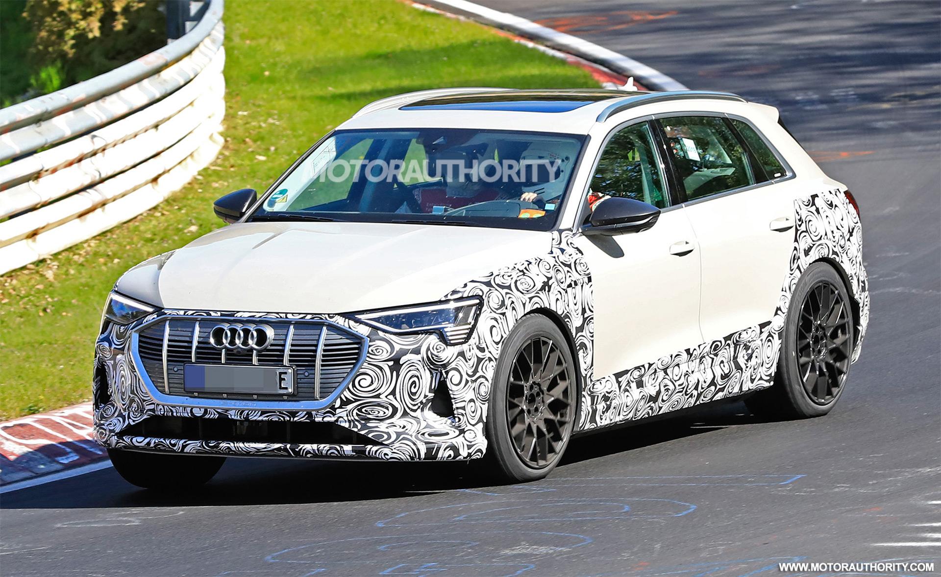 2018 [Audi] E-Tron Quattro - Page 7 2020-audi-e-tron-s-spy-shots--image-via-s-baldauf-sb-medien_100702341_h
