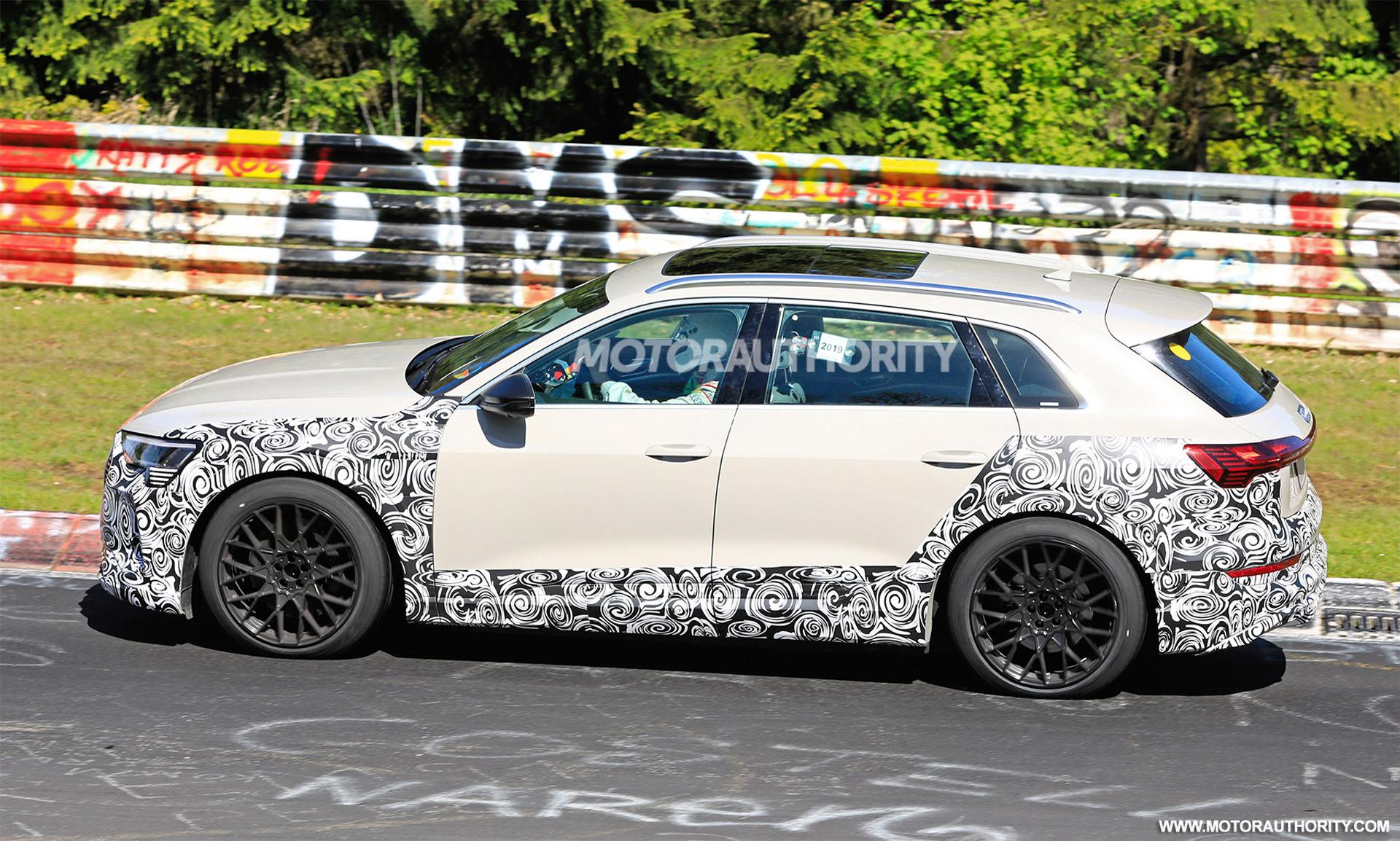 2018 [Audi] E-Tron Quattro - Page 7 2020-audi-e-tron-s-spy-shots--image-via-s-baldauf-sb-medien_100702343_h