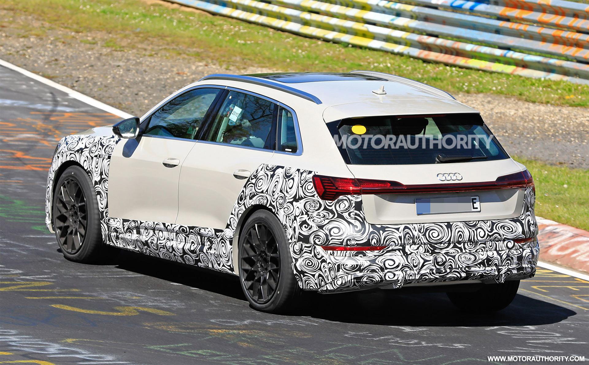 2018 [Audi] E-Tron Quattro - Page 7 2020-audi-e-tron-s-spy-shots--image-via-s-baldauf-sb-medien_100702345_h