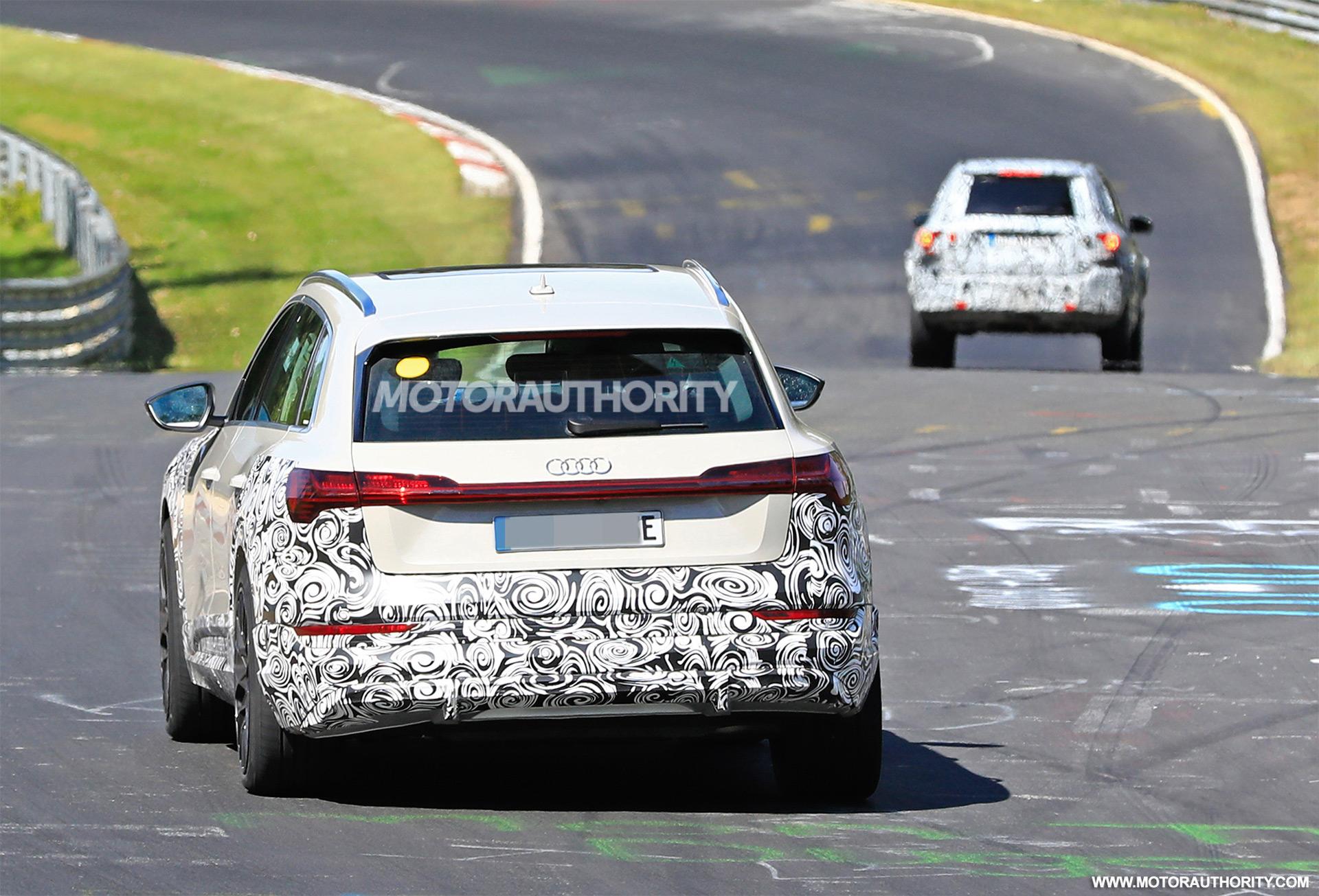 2018 [Audi] E-Tron Quattro - Page 7 2020-audi-e-tron-s-spy-shots--image-via-s-baldauf-sb-medien_100702346_h