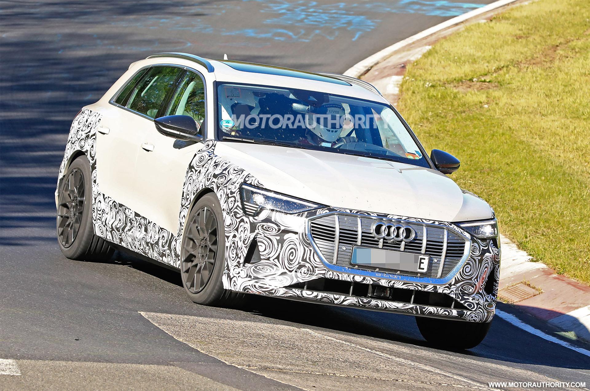 2018 [Audi] E-Tron Quattro - Page 7 2020-audi-e-tron-s-spy-shots--image-via-s-baldauf-sb-medien_100702355_h