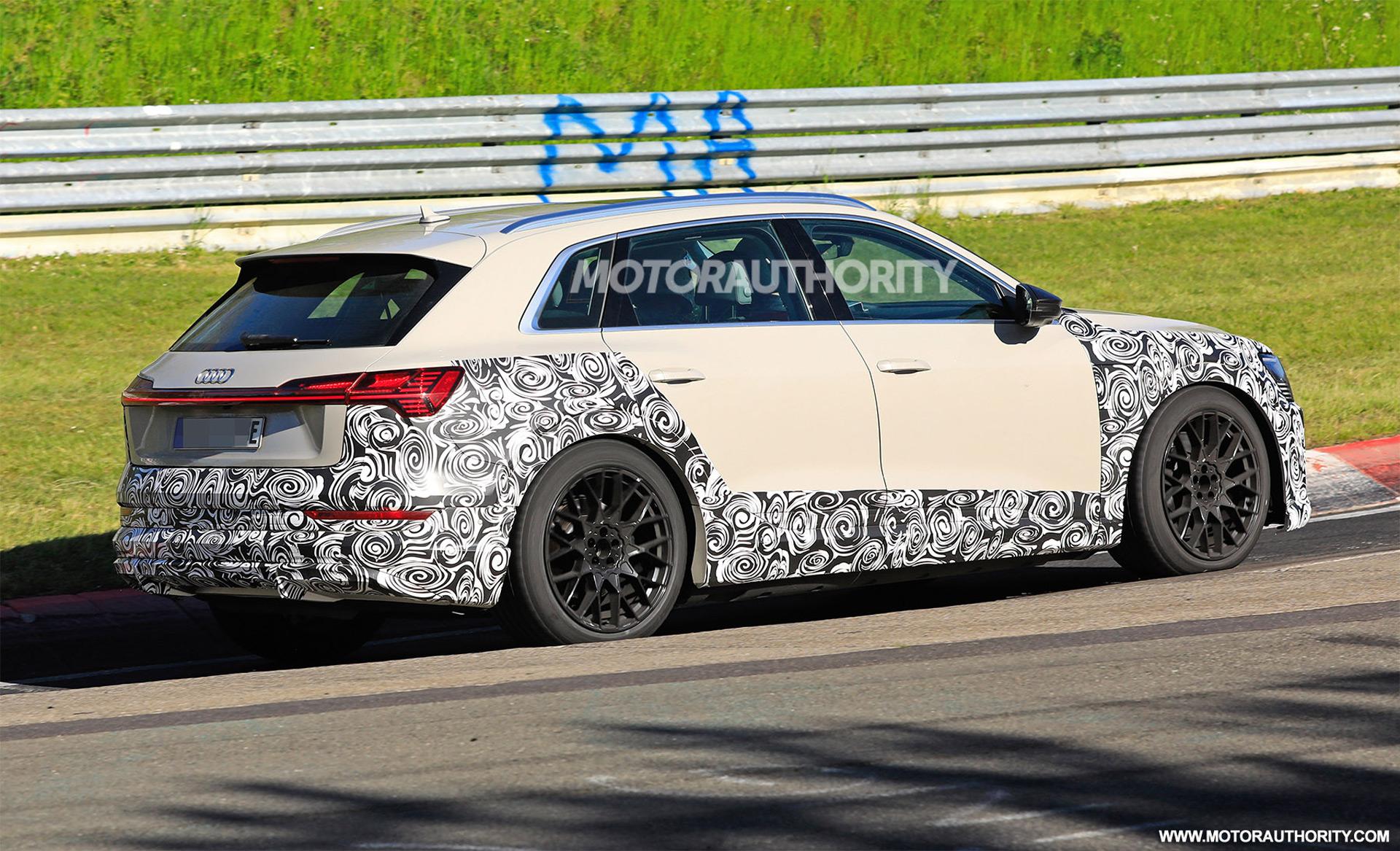 2018 [Audi] E-Tron Quattro - Page 7 2020-audi-e-tron-s-spy-shots--image-via-s-baldauf-sb-medien_100702358_h