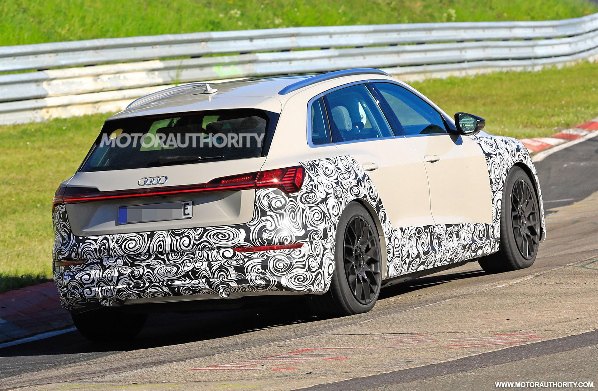 2018 [Audi] E-Tron Quattro - Page 7 2020-audi-e-tron-s-spy-shots--image-via-s-baldauf-sb-medien_100702359_h