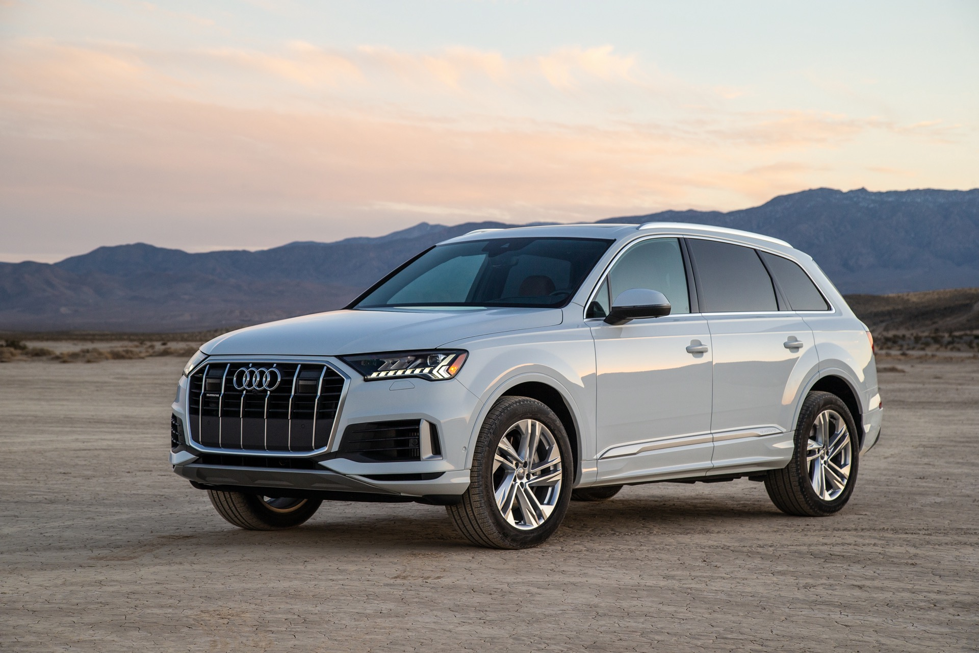 first drive: 2020 audi q7 goes long on tech, short on