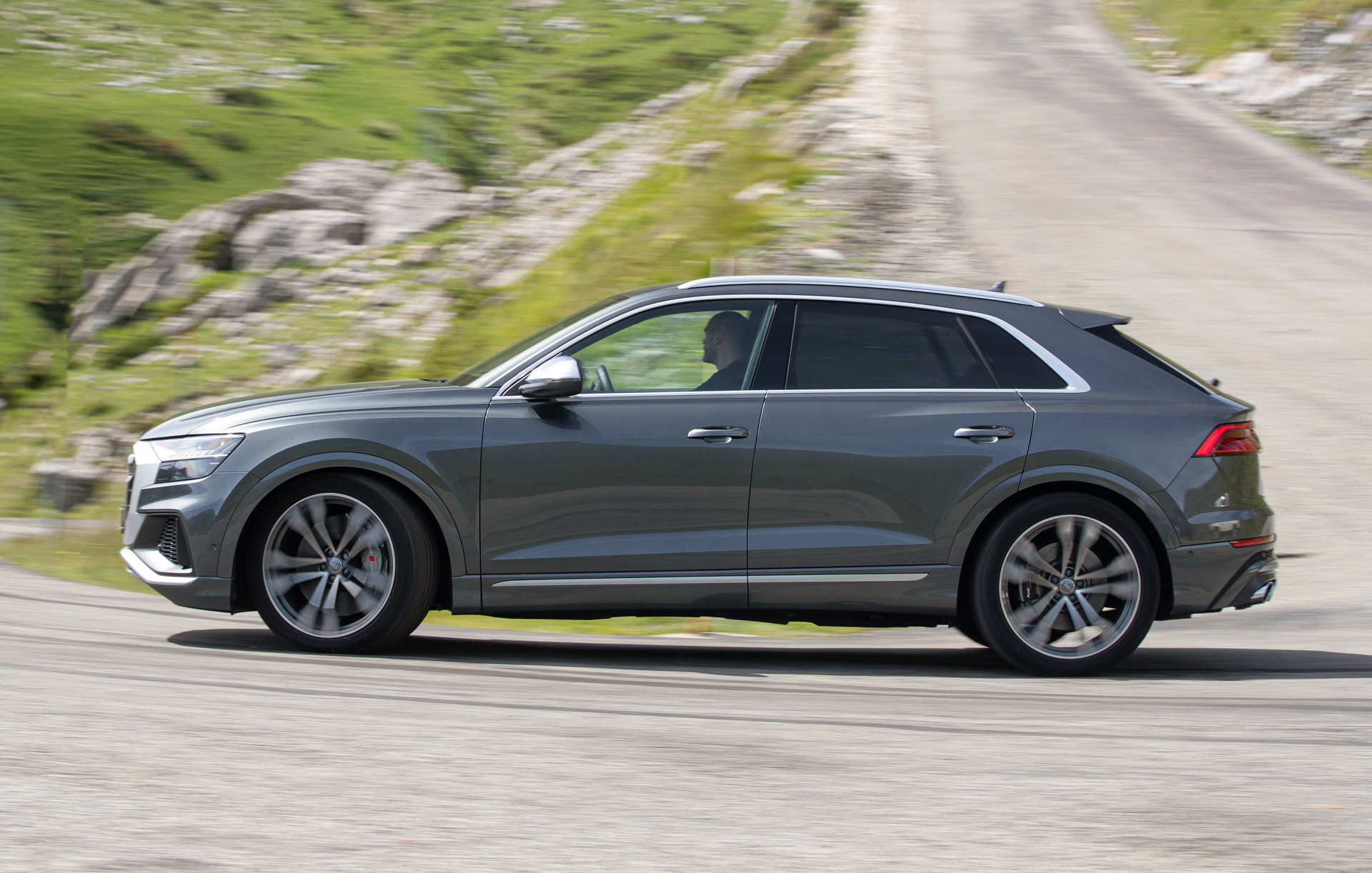 2020 audi sq8 2021 jaguar fpace 2022 vw arteon shooting