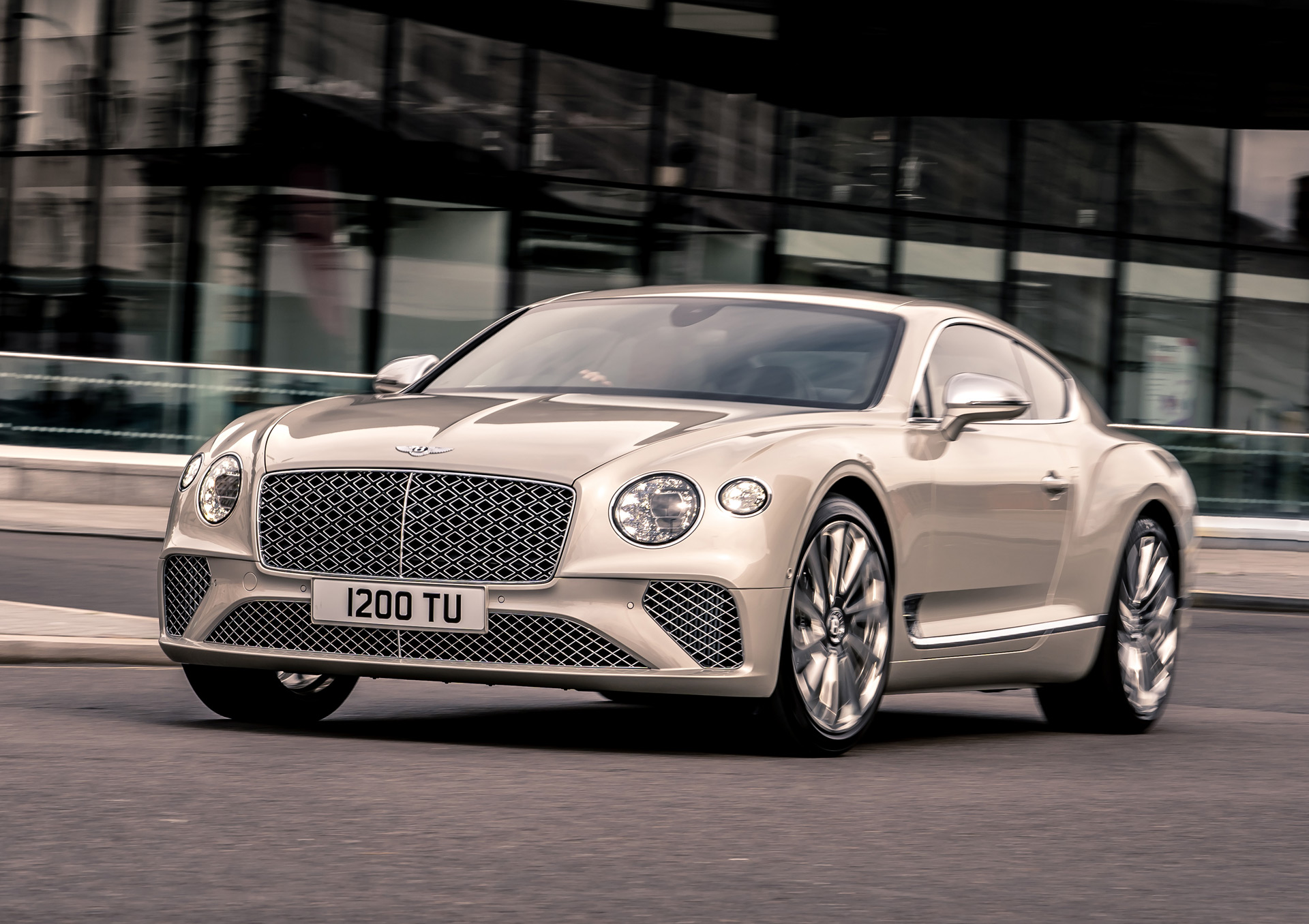 Bentley unveils a Continental GT worked over by Mulliner