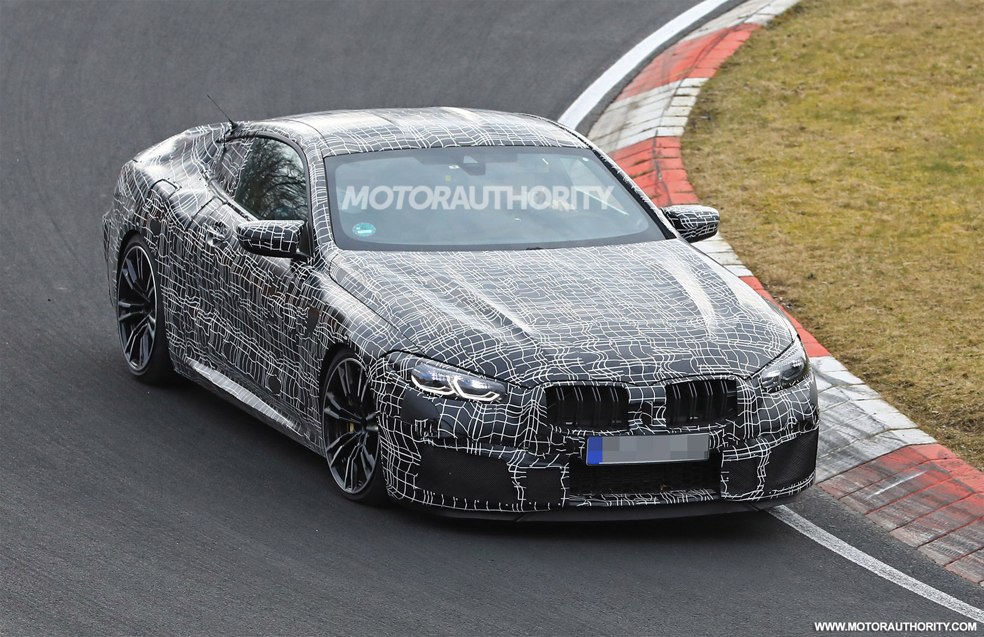 2020 BMW M8 spy shots and video