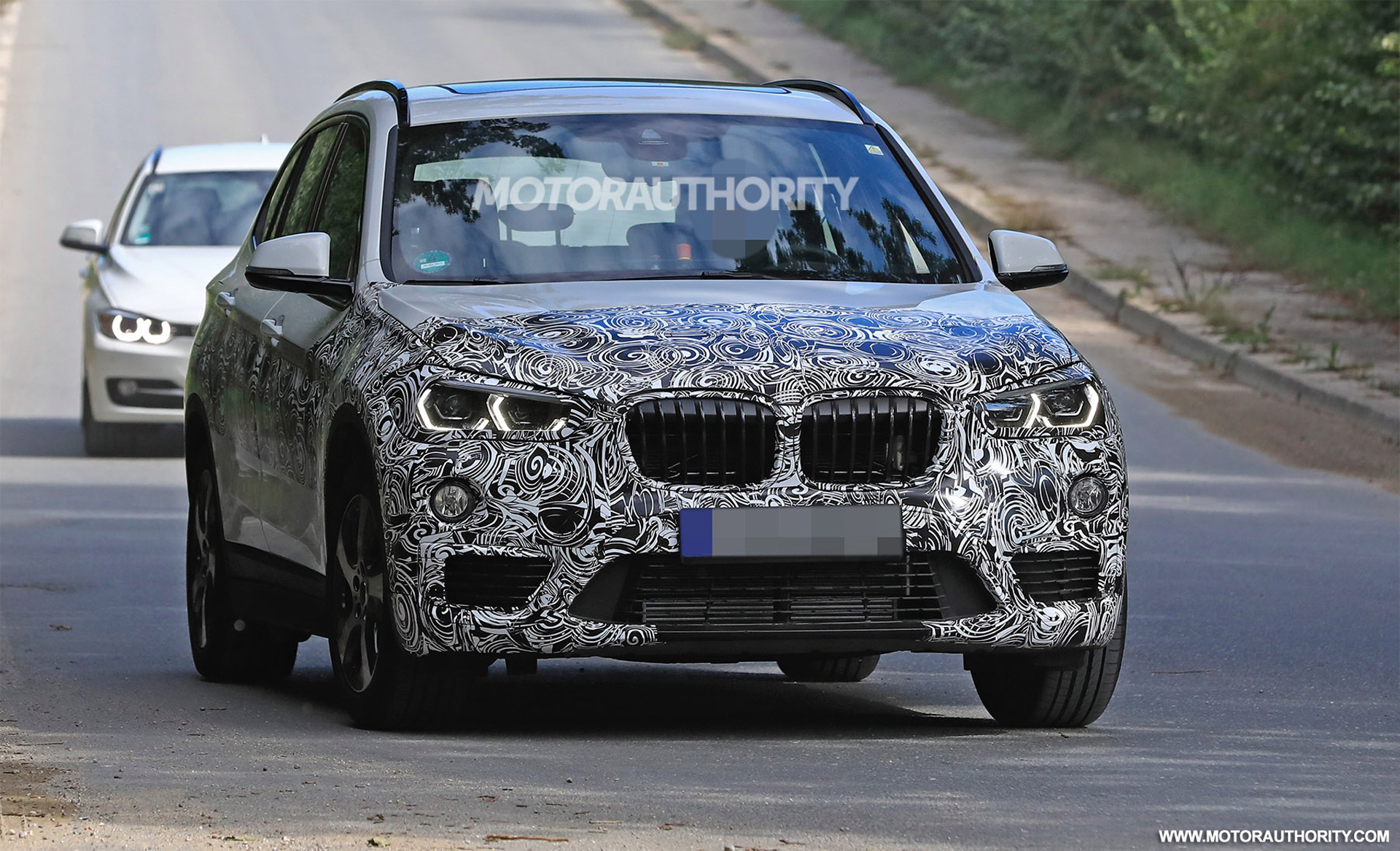Flipboard Spied Bmw X1 Caught With New Headlights