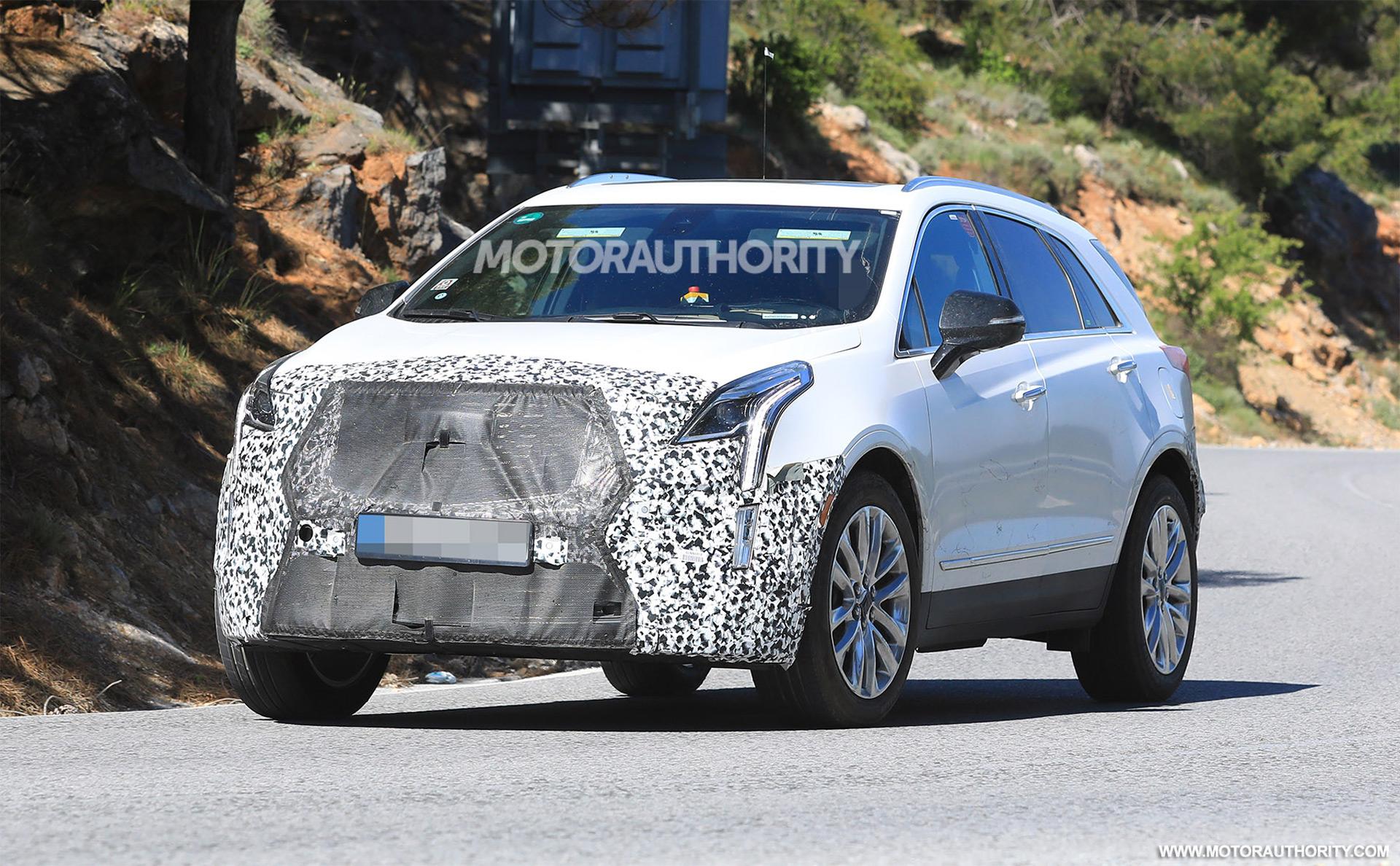 2020 Cadillac XT5 spy shots
