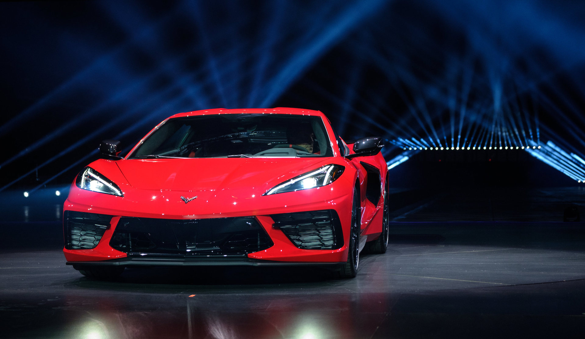 2020 Chevrolet Corvette Stingray Arrives With Mid Engine Design No