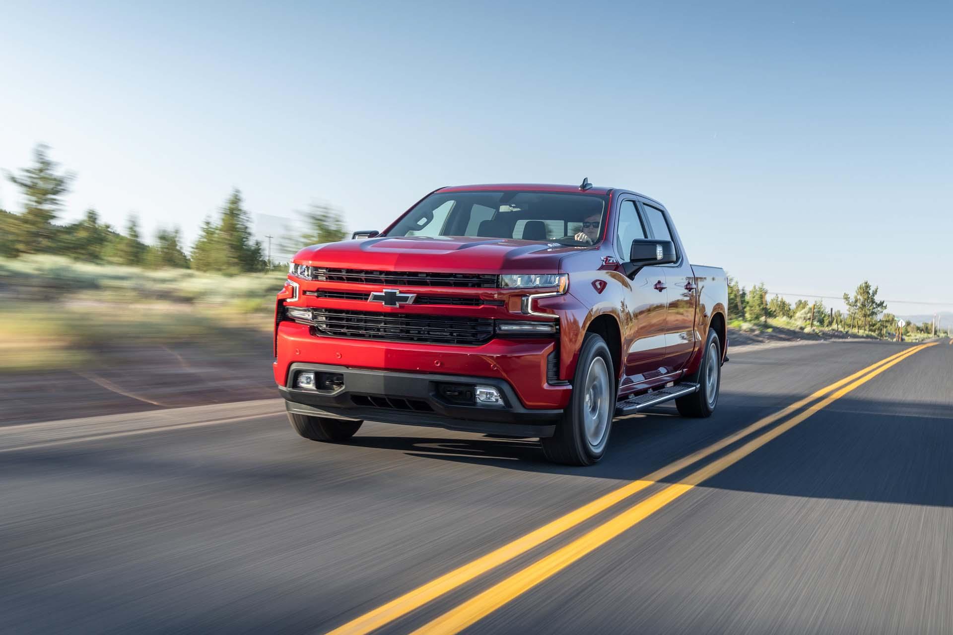 2020 Chevrolet Silverado diesel tops pickup truck mpg race