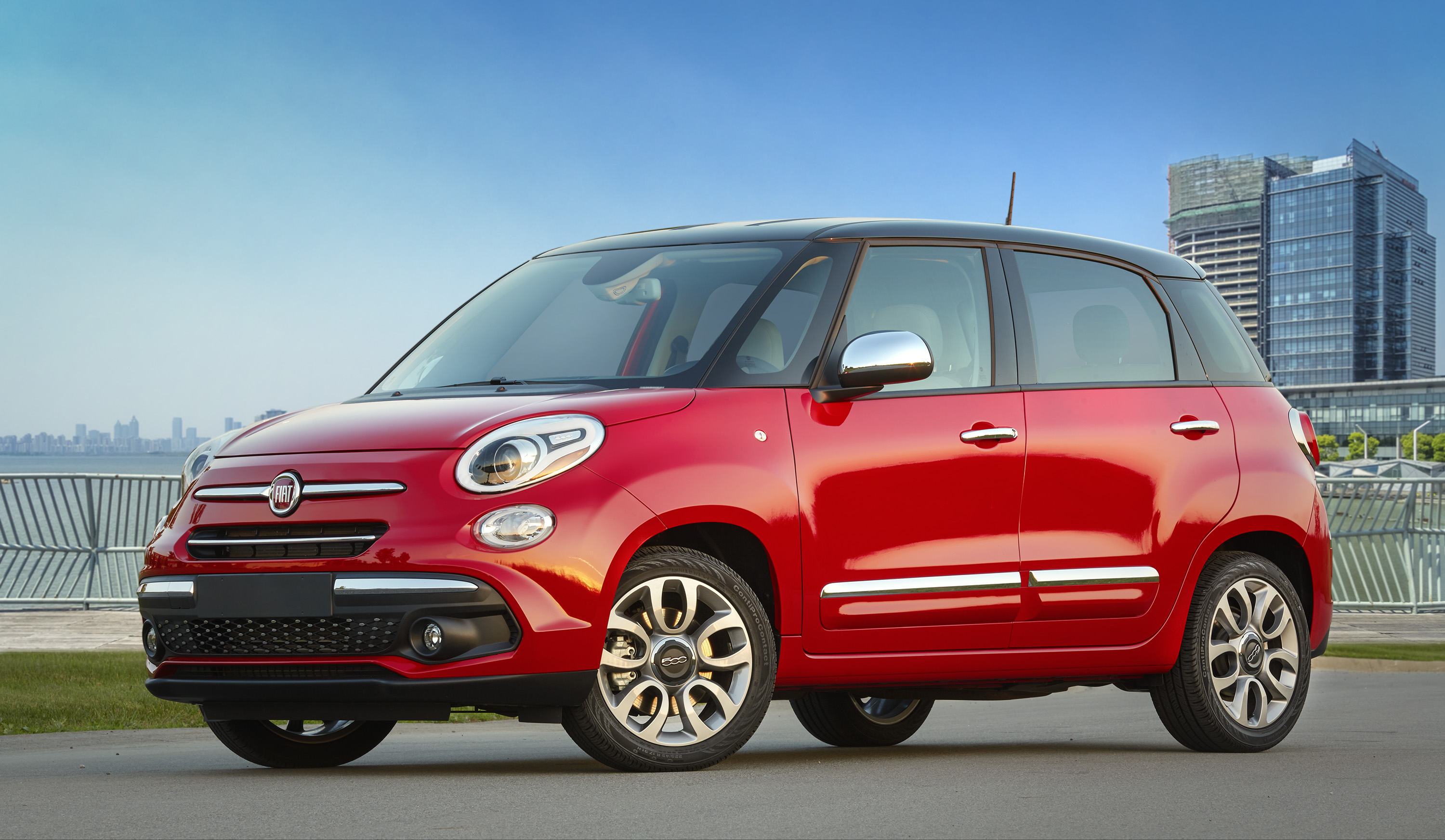 2020 Fiat 500l Review Ratings Specs Prices And Photos
