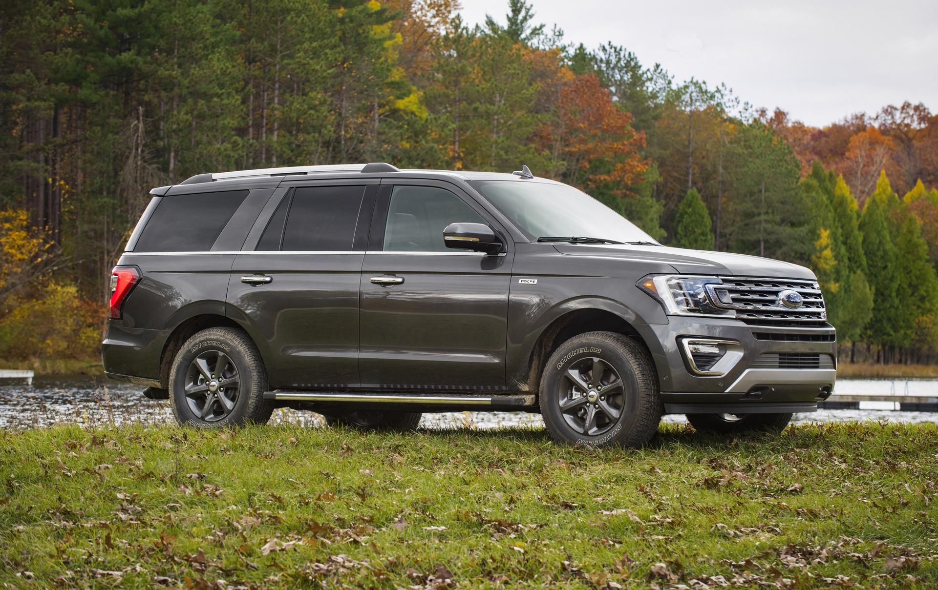 2020 Ford Expedition Vs 2020 Chevy Suburban Compare Suvs