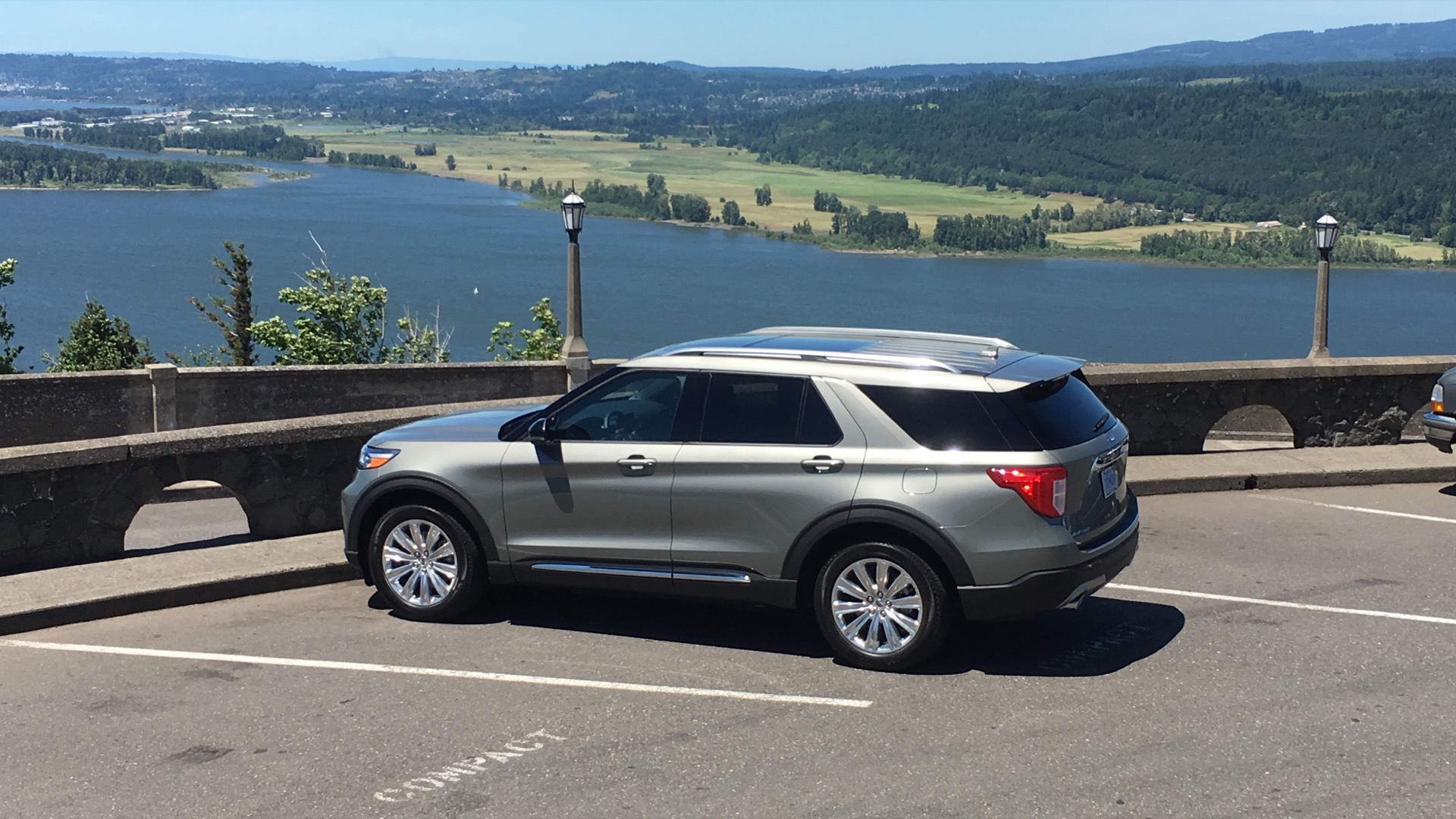 Best Gas Mileage Suv 2020 2020 Ford Explorer Hybrid first drive review: Muscle over mpg