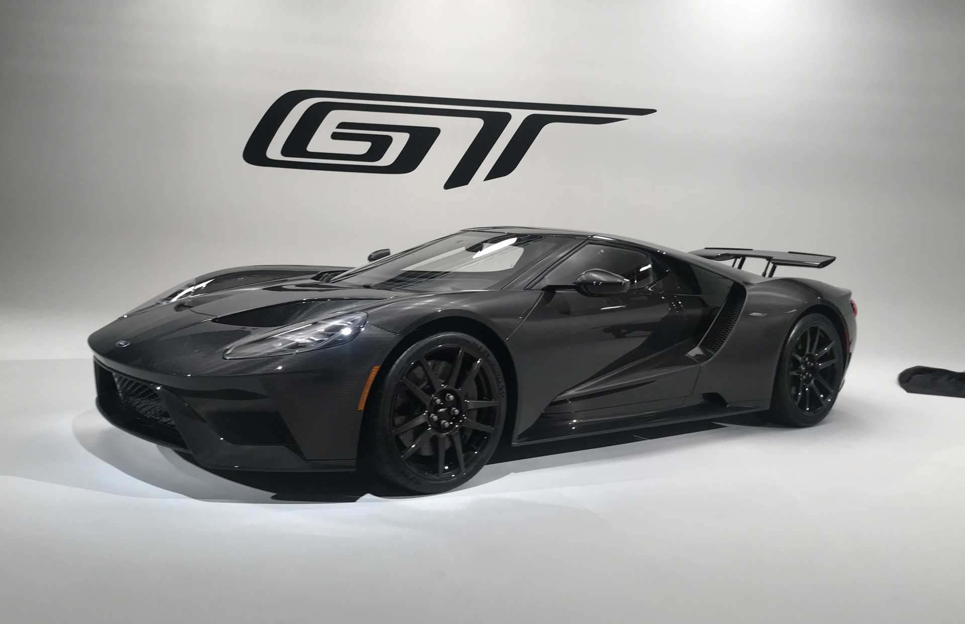 2020 Ford GT ups horsepower to 660, offers 0,000 Liquid Carbon special edition