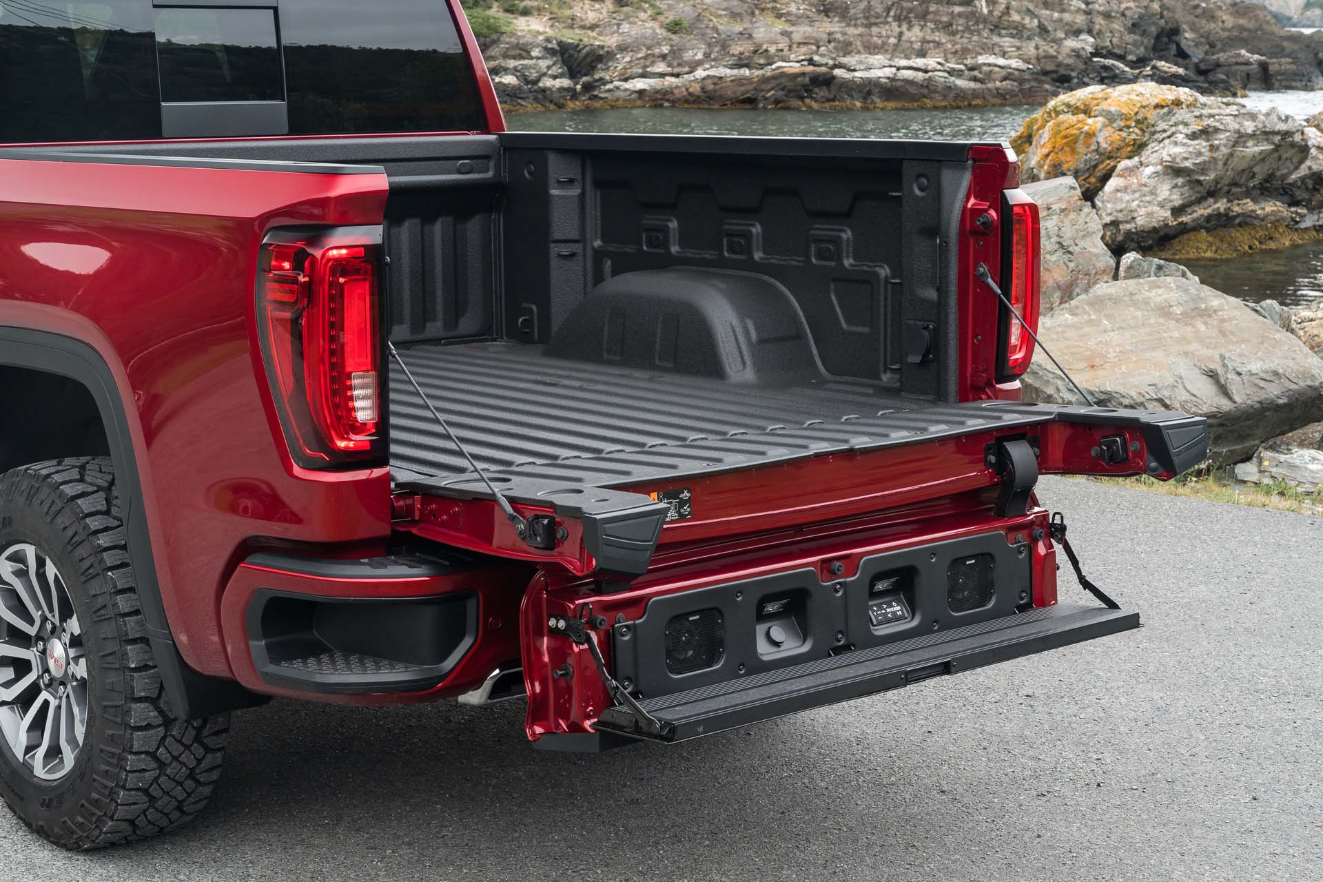 Best Truck Tailgates Compared 2021 Camaro Preview Magna Ev Boosts I Pace What S New The Car Connection