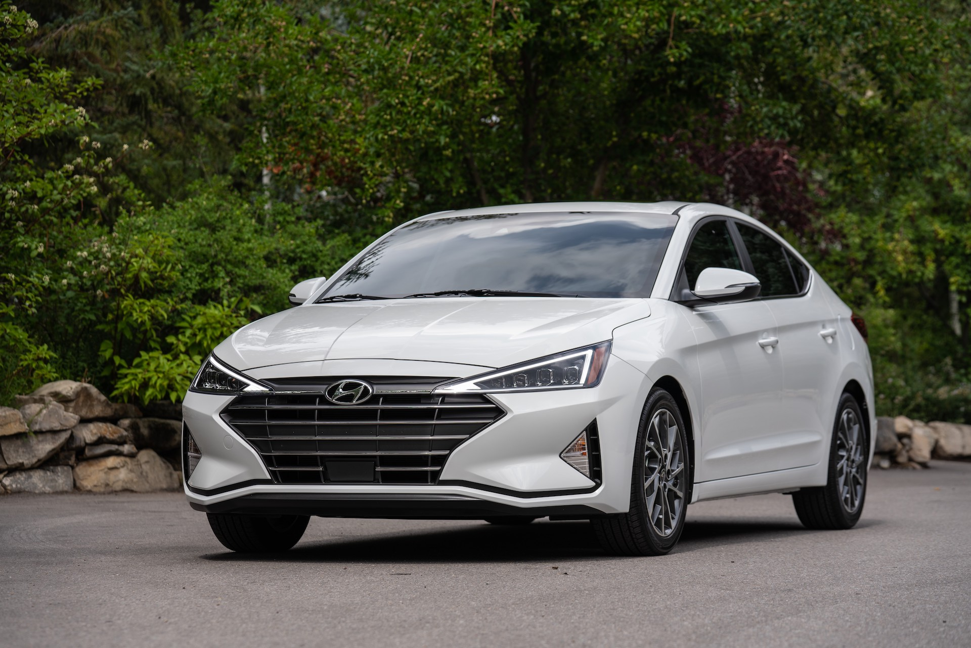 2020 Hyundai Elantra Sedan Photos