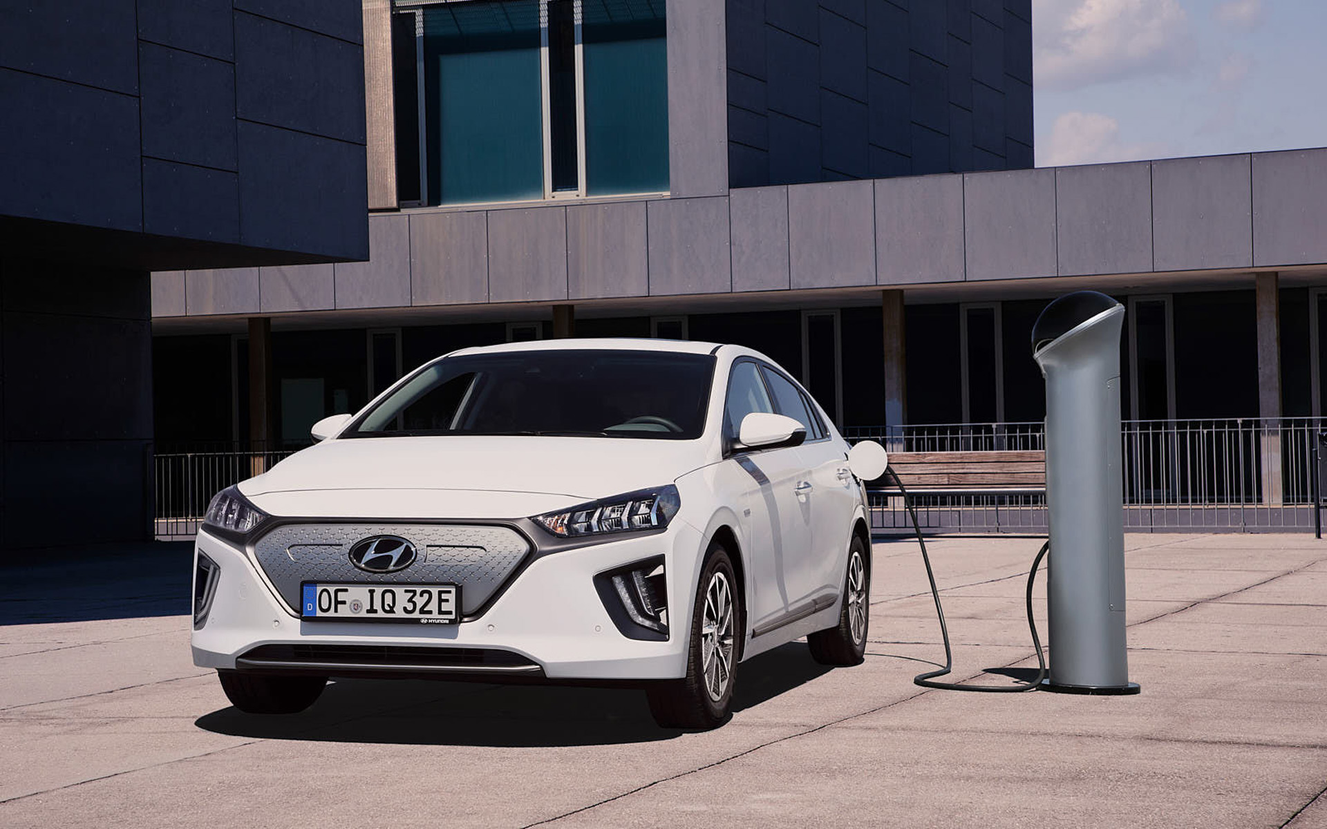 Hyundai Upgrades Ioniq Electric Car With More Range Electrive Com