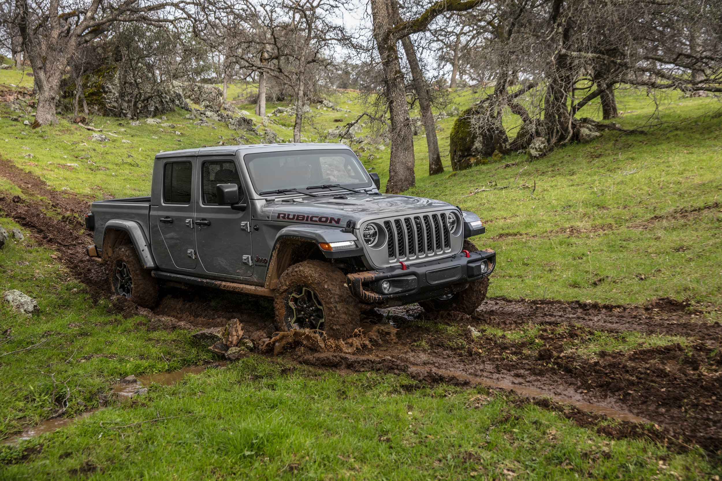 2019 Jeep Wrangler Vs 2020 Jeep Gladiator Compare Trucks