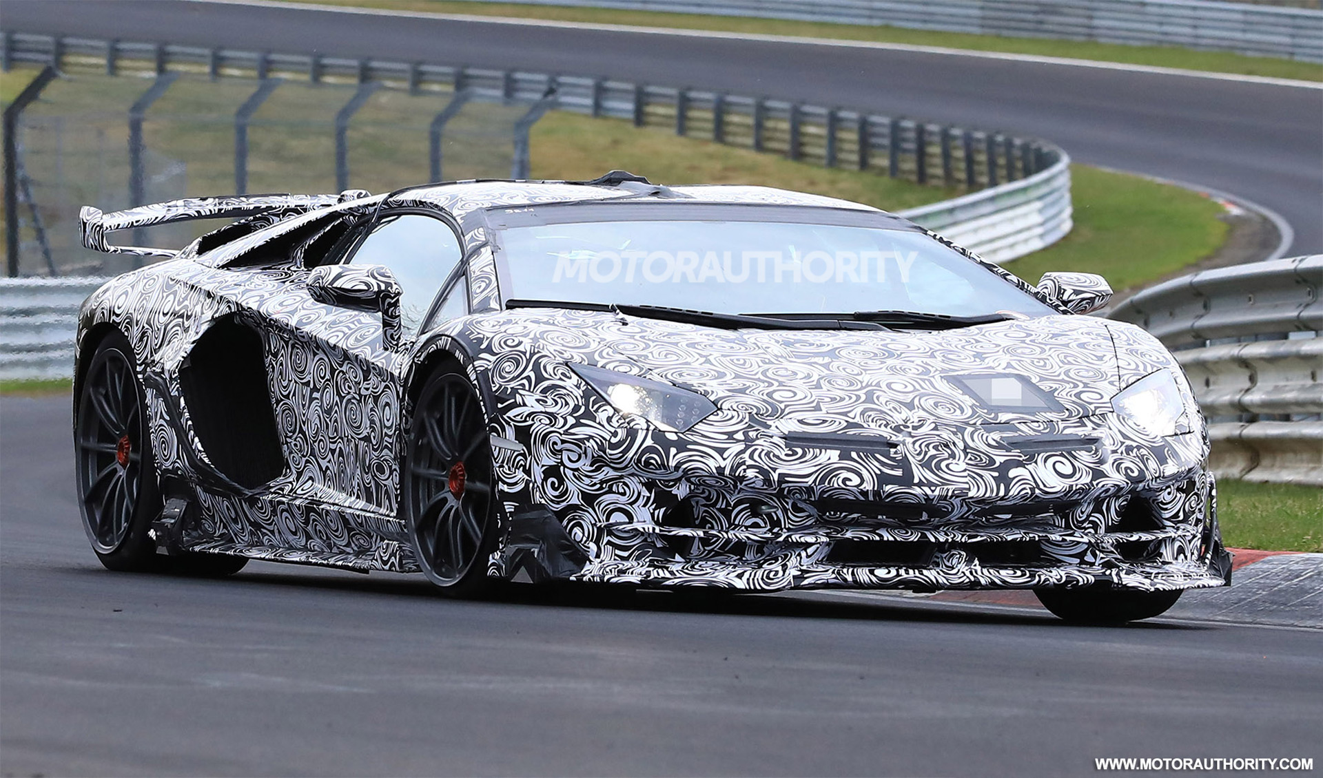 2018 F150 Review >> 2020 Lamborghini Aventador SVJ spy shots and video