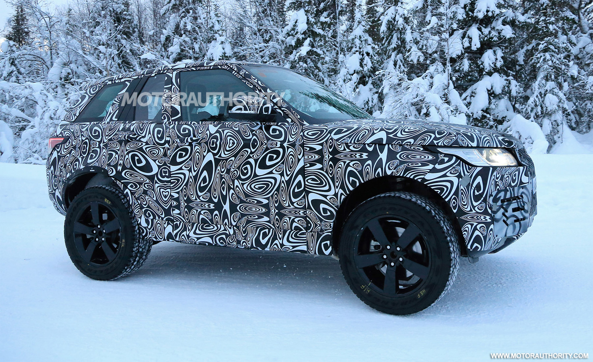 2020 Land Rover Defender Spy Shots