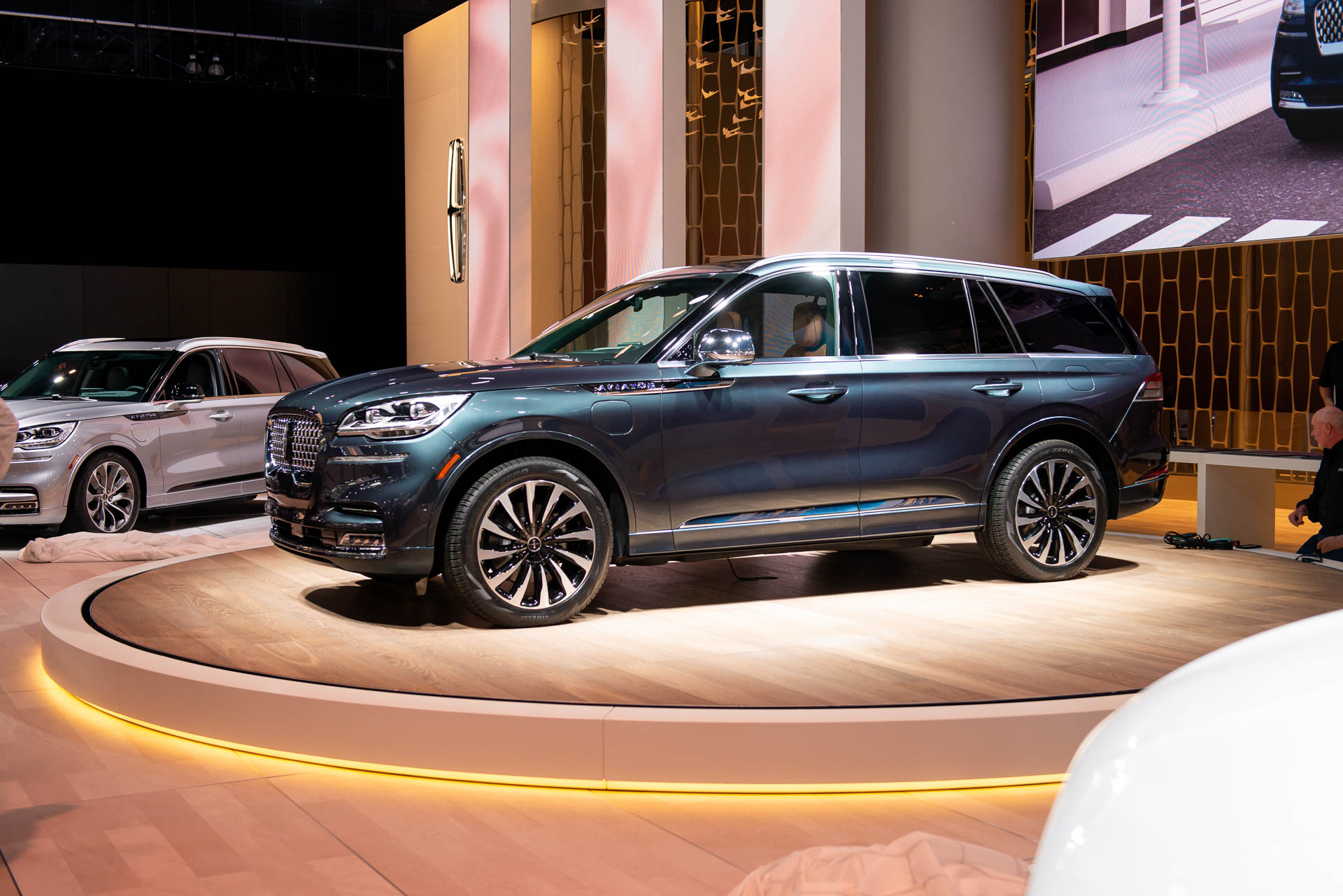 2020 Lincoln Aviator Debuts Luxury Crossover Suv Takes Flight