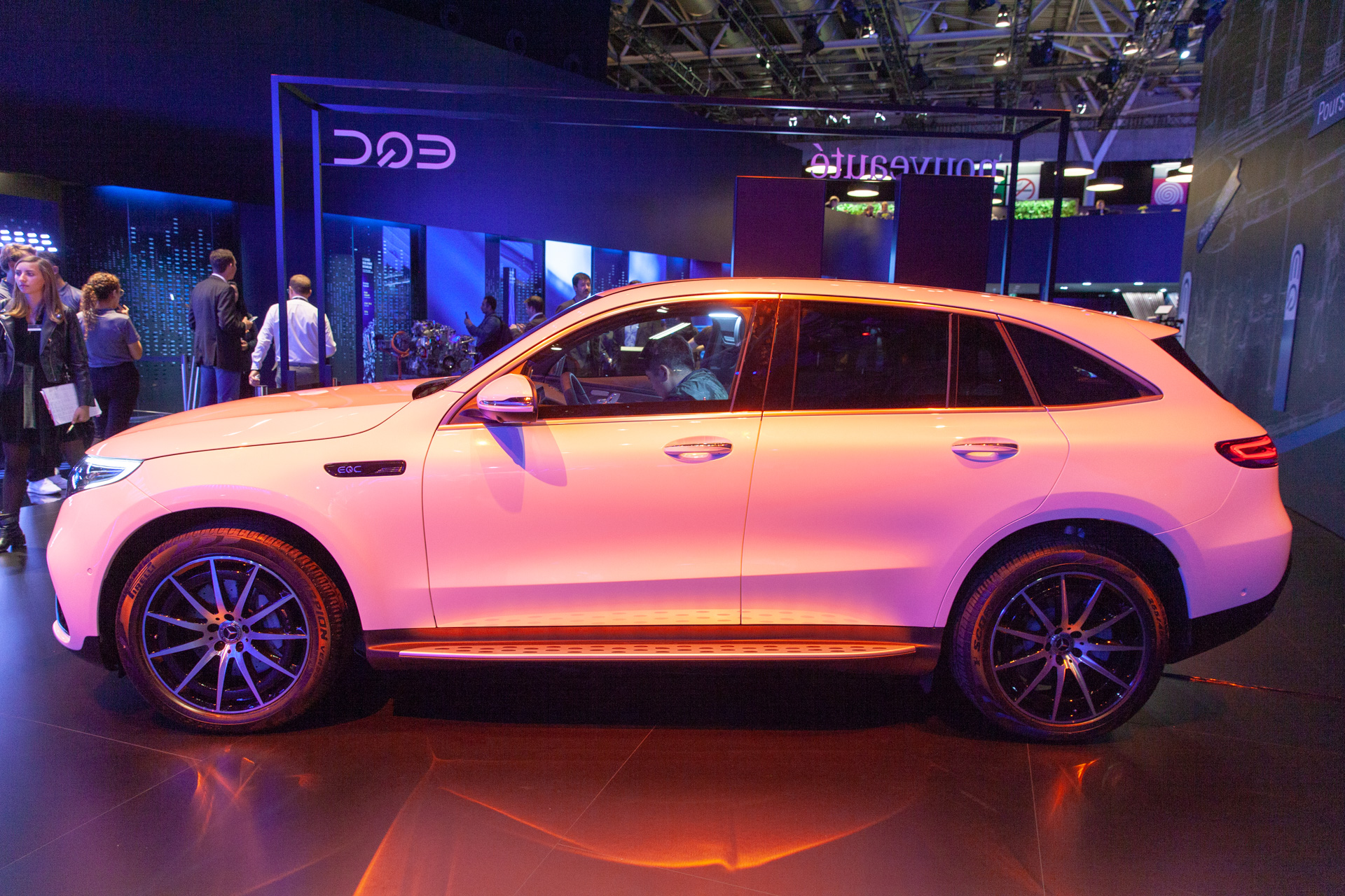 2020 Mercedes Benz Eqc 200 Mile Luxury Electric Suv Debuts