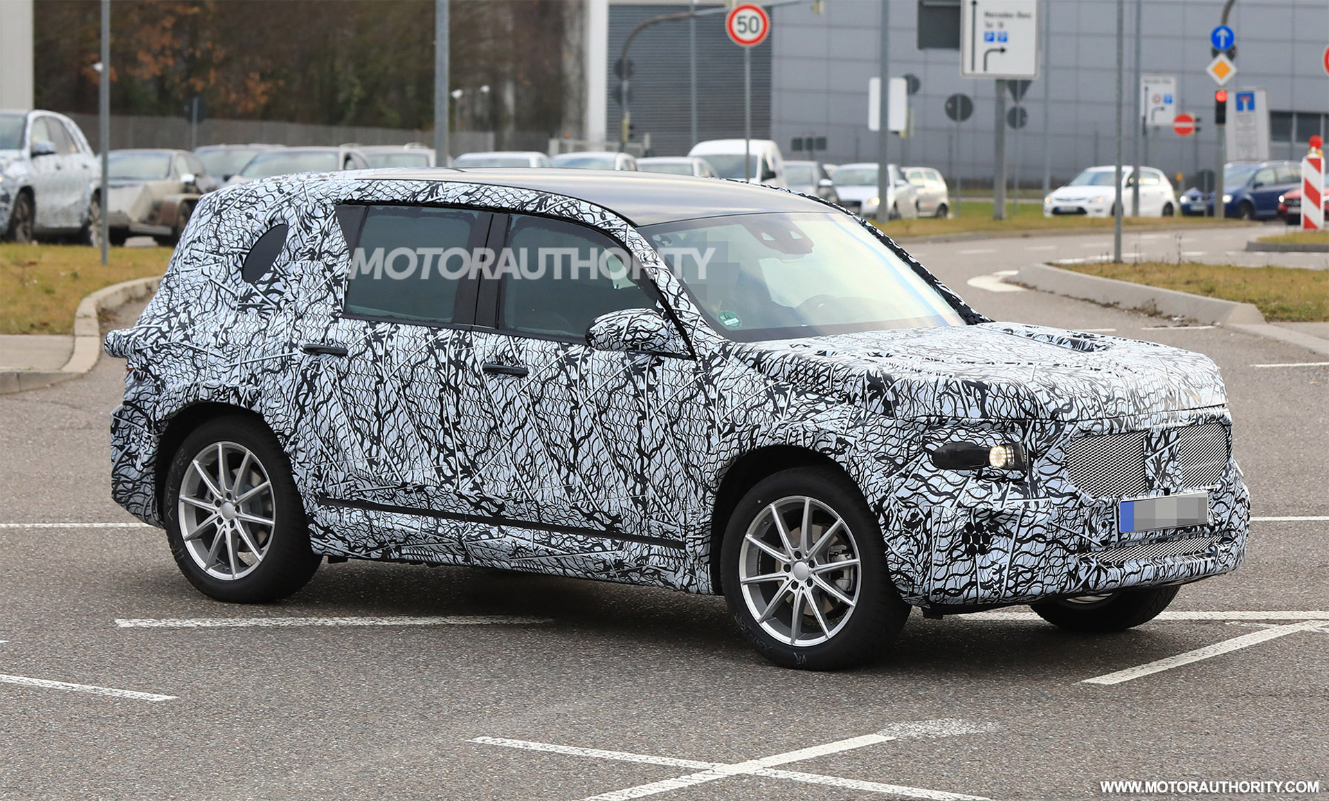 New Defender 2019 >> 2021 Mercedes-Benz GLB spy shots