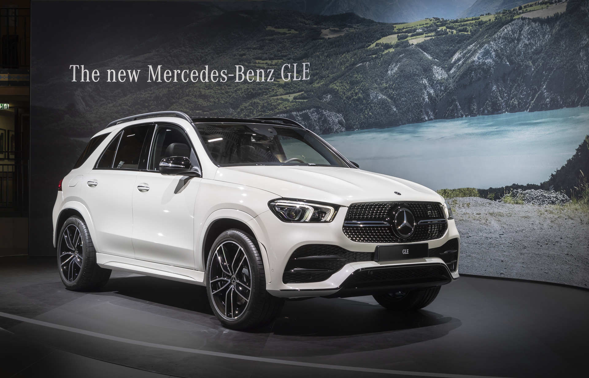 Mercedes-Benz GLE could be first plug-in hybrid with over ...