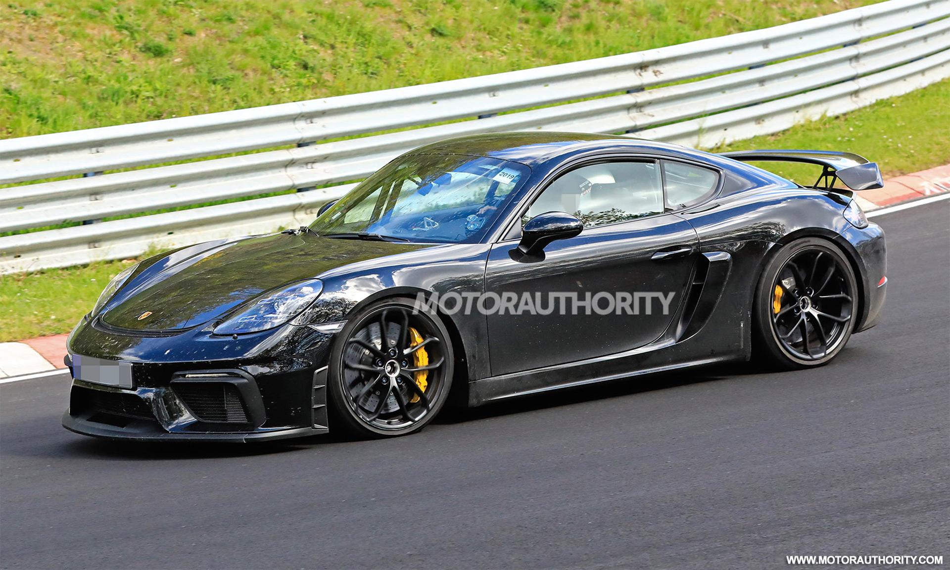 2020 Porsche 718 Cayman GT4 spy shots and video