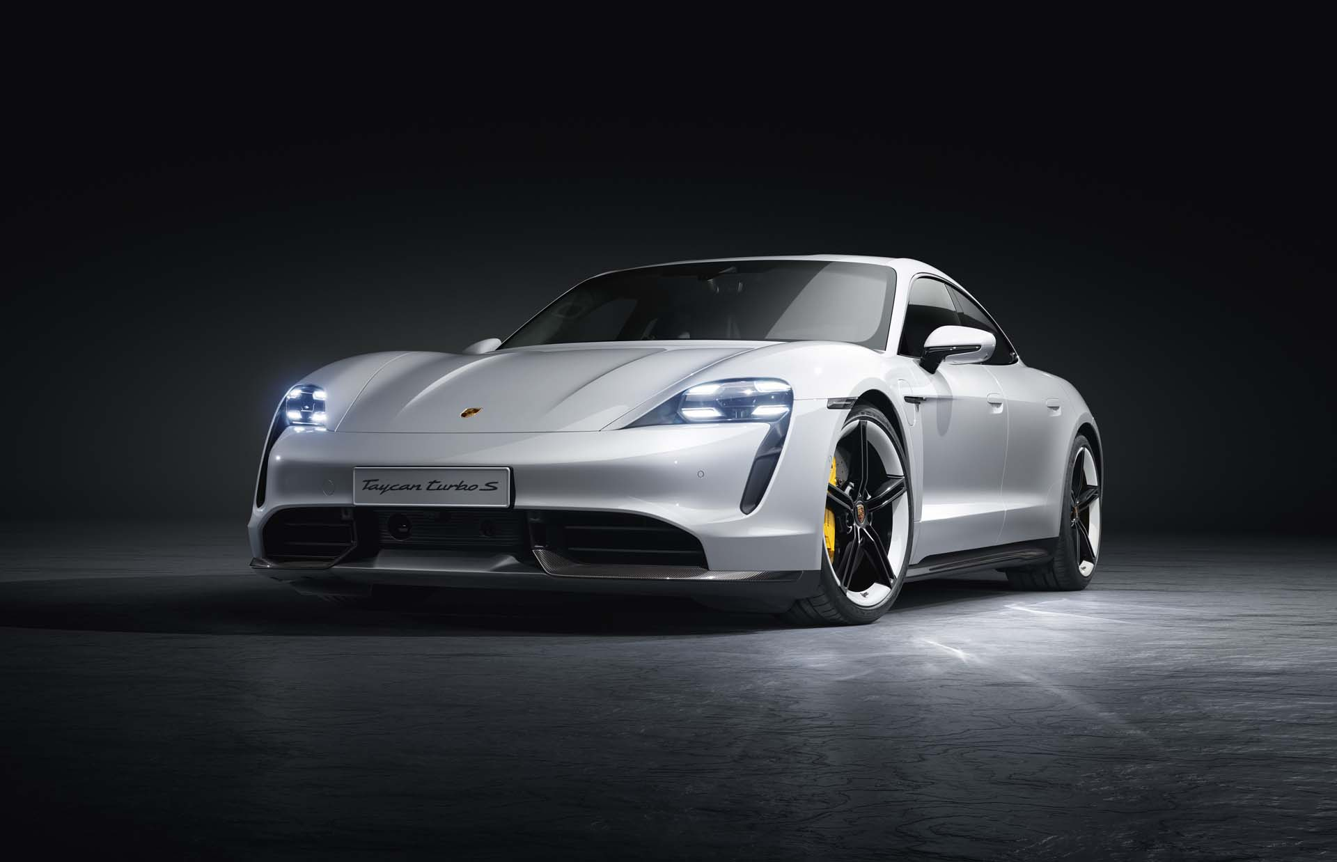 2020 Porsche Taycan Preview Fast Electric Expensive
