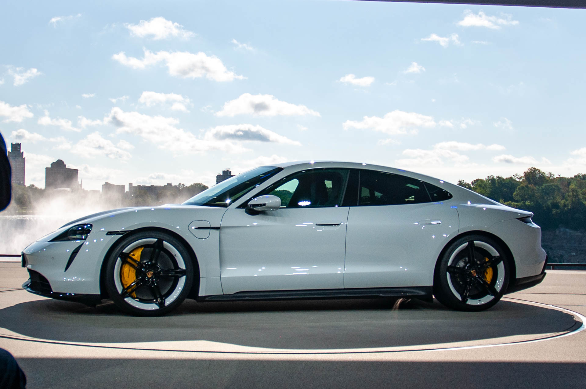 2020 Porsche Taycan Turbo Vs Turbo S Electric Car Battery Tech Specs And Pricing