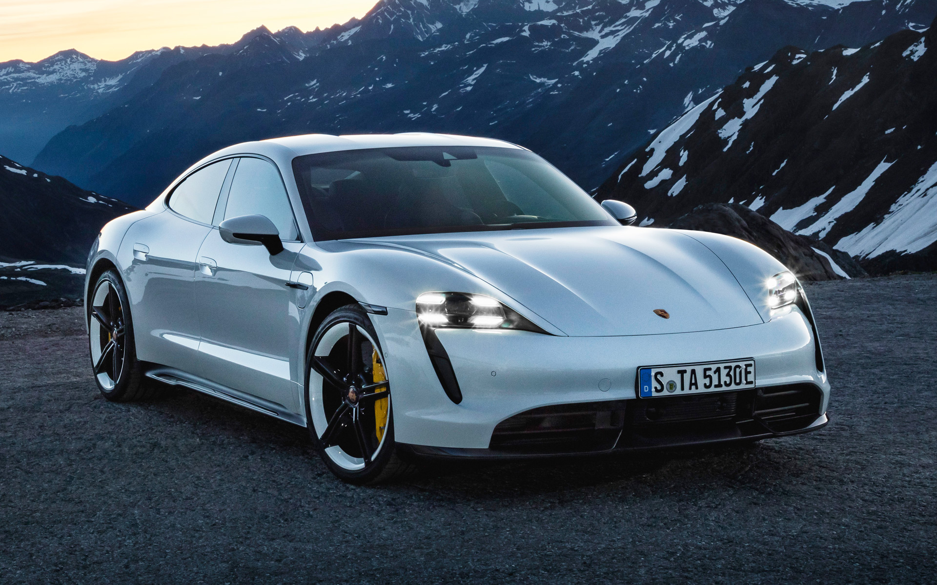 2020 Porsche Taycan Turbo S has less than 200 miles of range