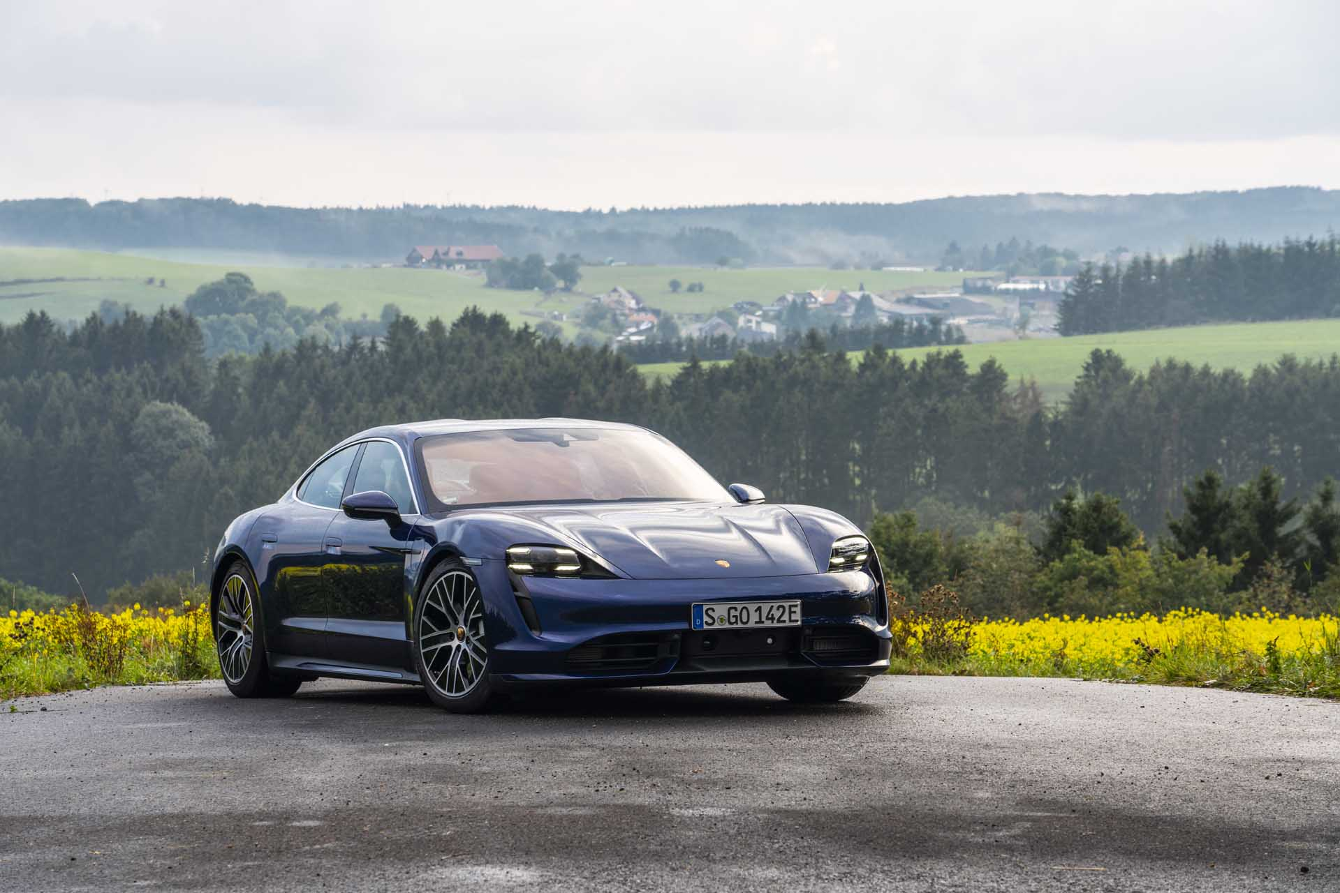 2020 Porsche Taycan Review Ratings Specs Prices And Photos The Car Connection