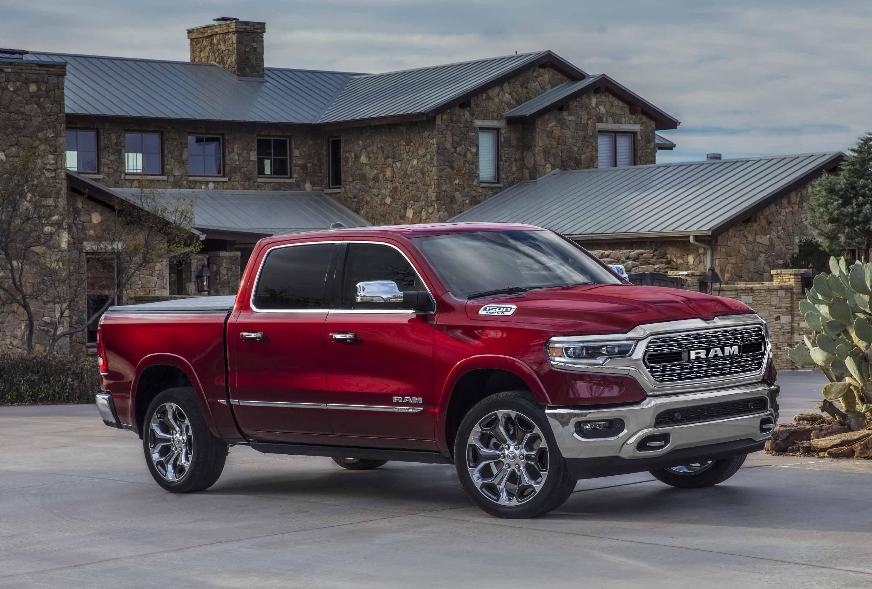 2020 Nissan Titan Vs 2020 Ram 1500 Compare Trucks