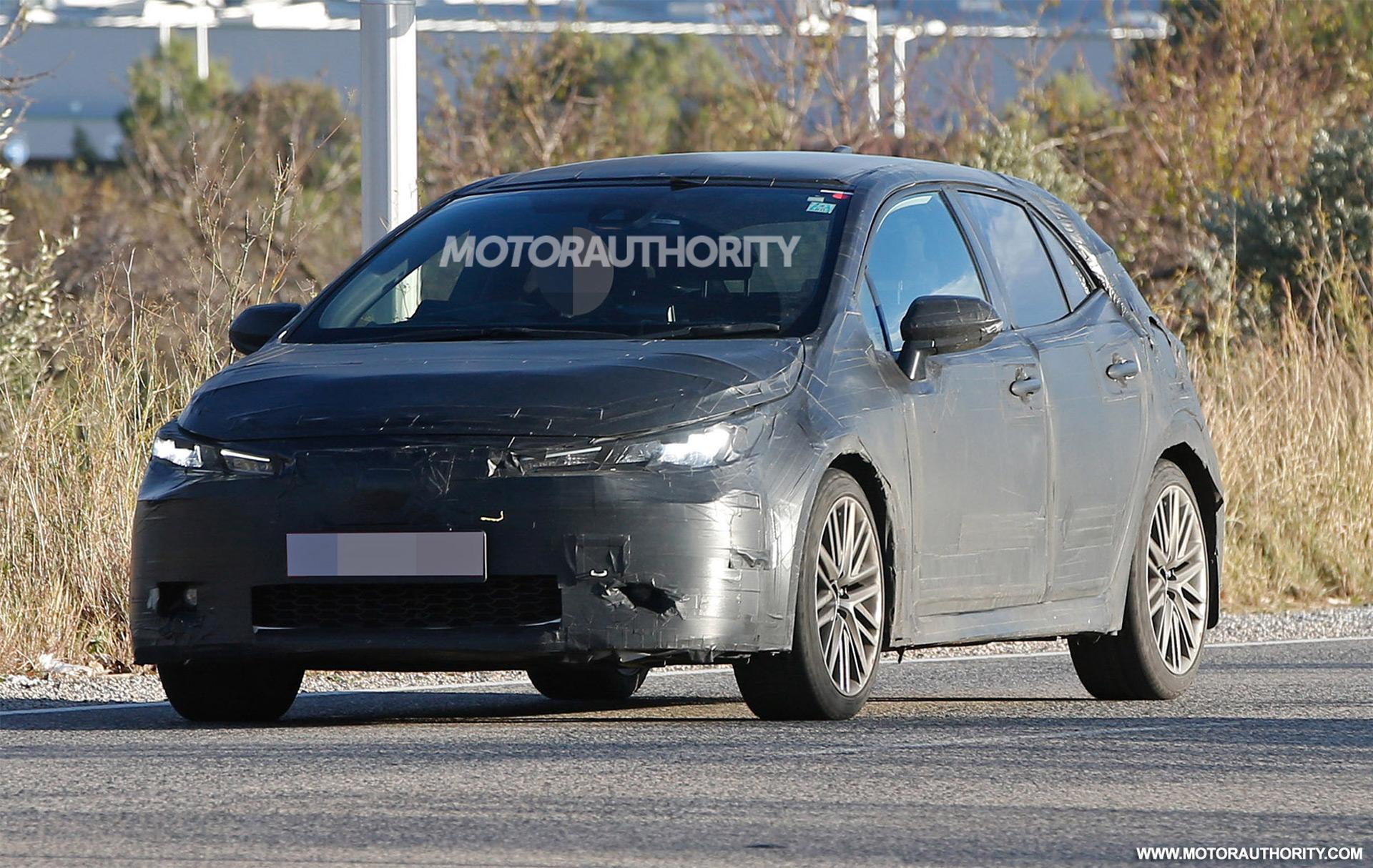 2019 Toyota Corolla Im Auris Spy Shots