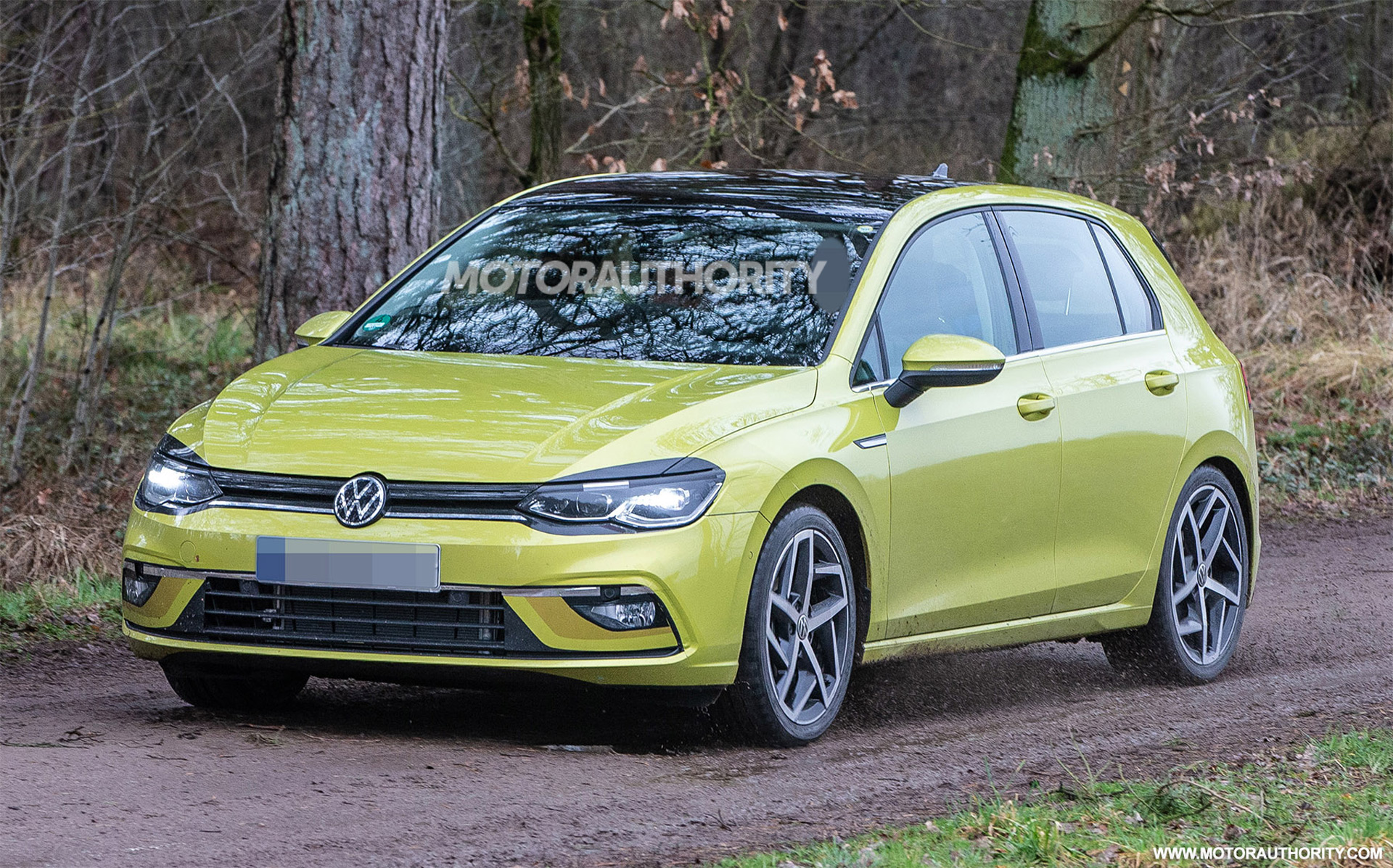 volkswagen golf spy shots